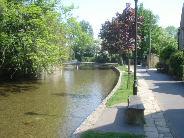 River Windrush at Bourton-on-the-Water - geograph.org.uk - 841015