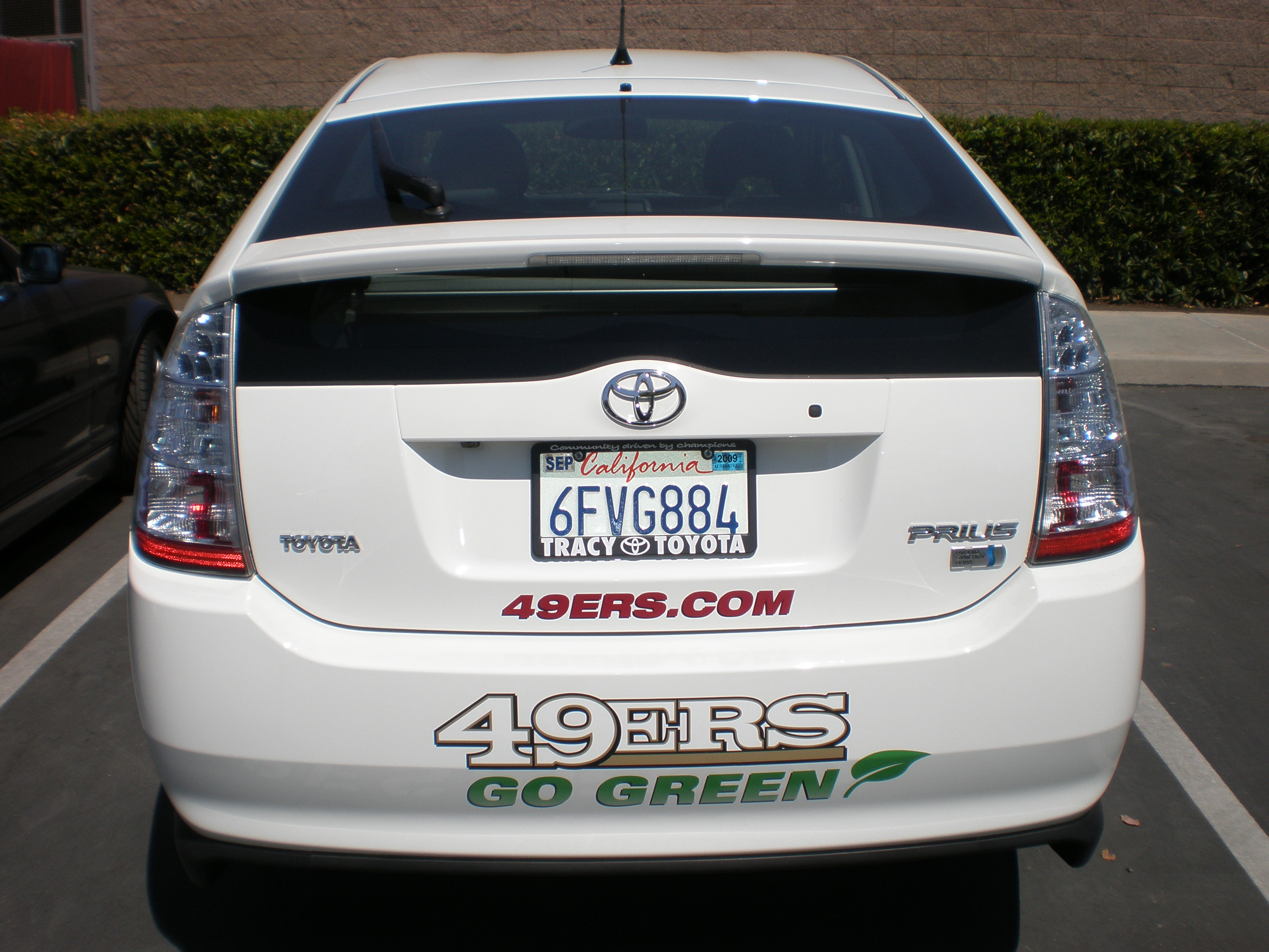 Used Toyota Prius >> File:SF 49ers white Toyota Prius NHW20 rear.JPG - Wikimedia Commons