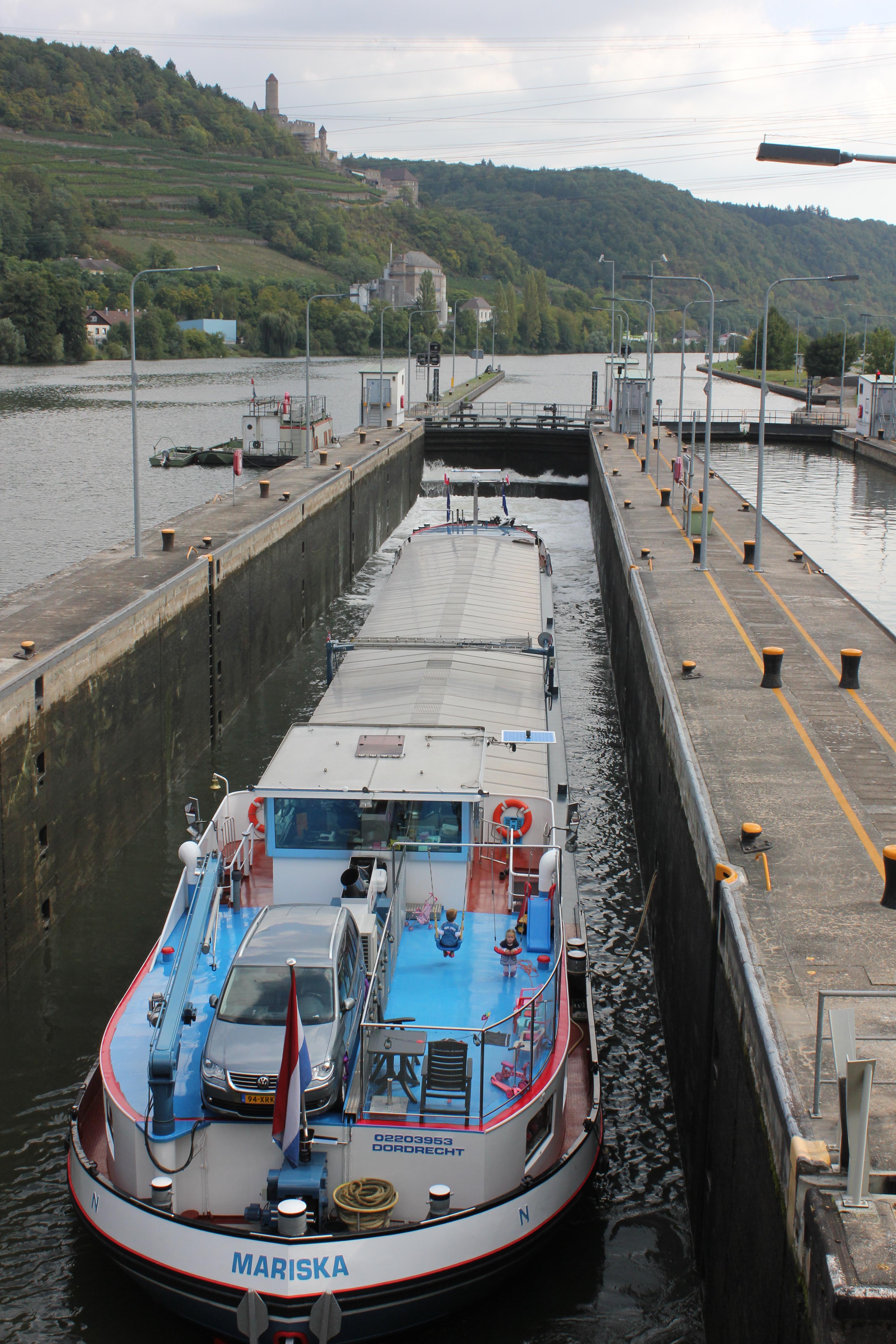 Schiffsschleuse – Wikipedia