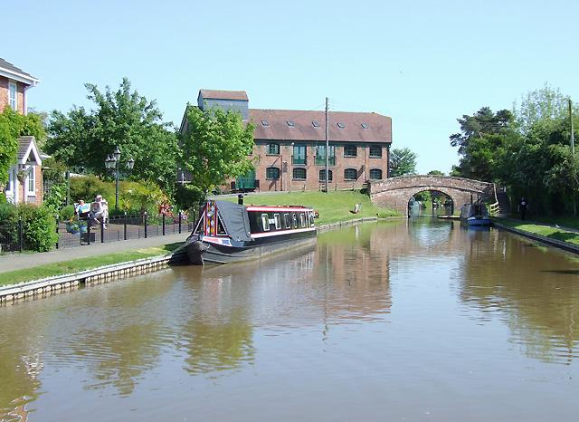 Shropshire Union Canal at Market Drayton, Shropshire - geograph.org.uk - 1592523