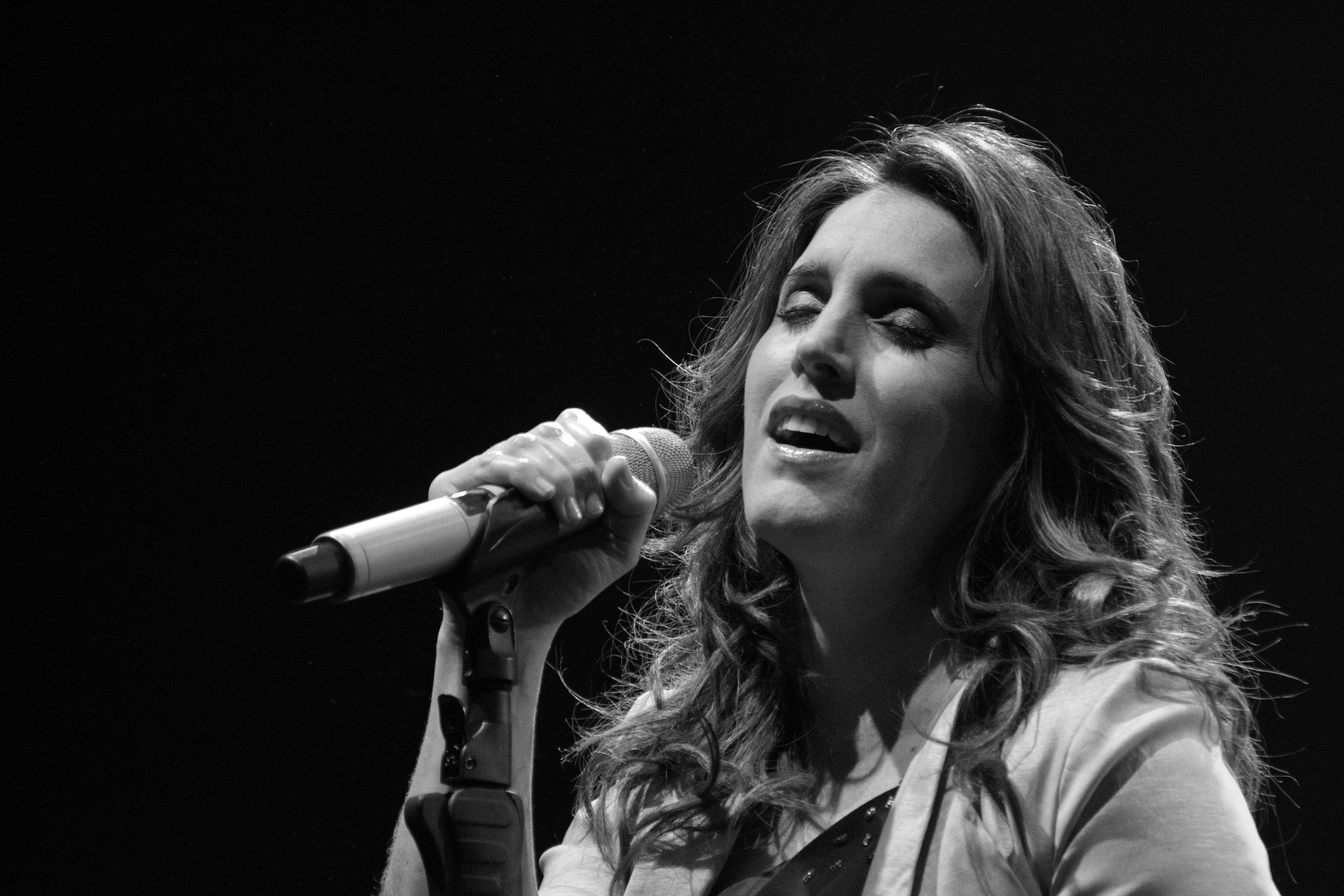 """Soledad, """"Canciones a la carta"""" en Córdoba, Argentina."""