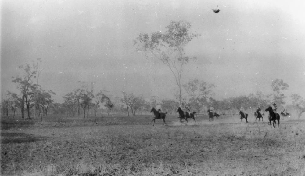 Maryvale Australia  City pictures : ... :StateLibQld 1 41179 Picnic races at Maryvale Station, ca. 1898