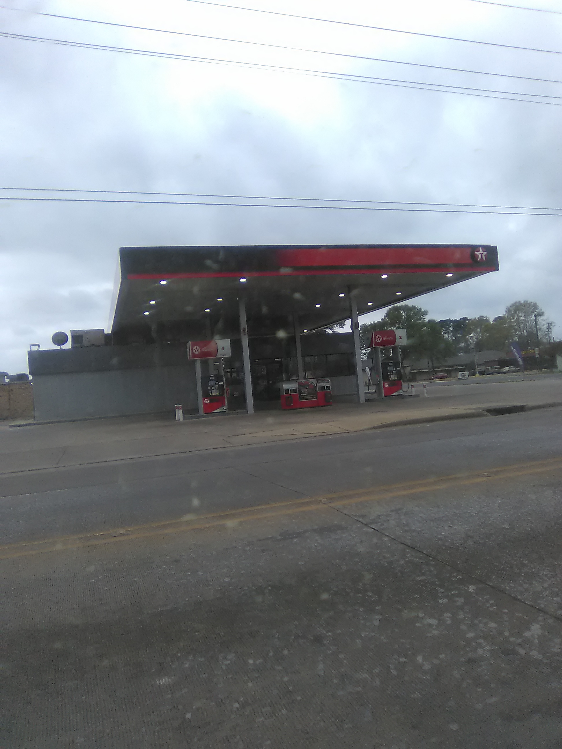 File:Texaco Gas Station in Keyser Avenue in Natchitoches, Louisiana
