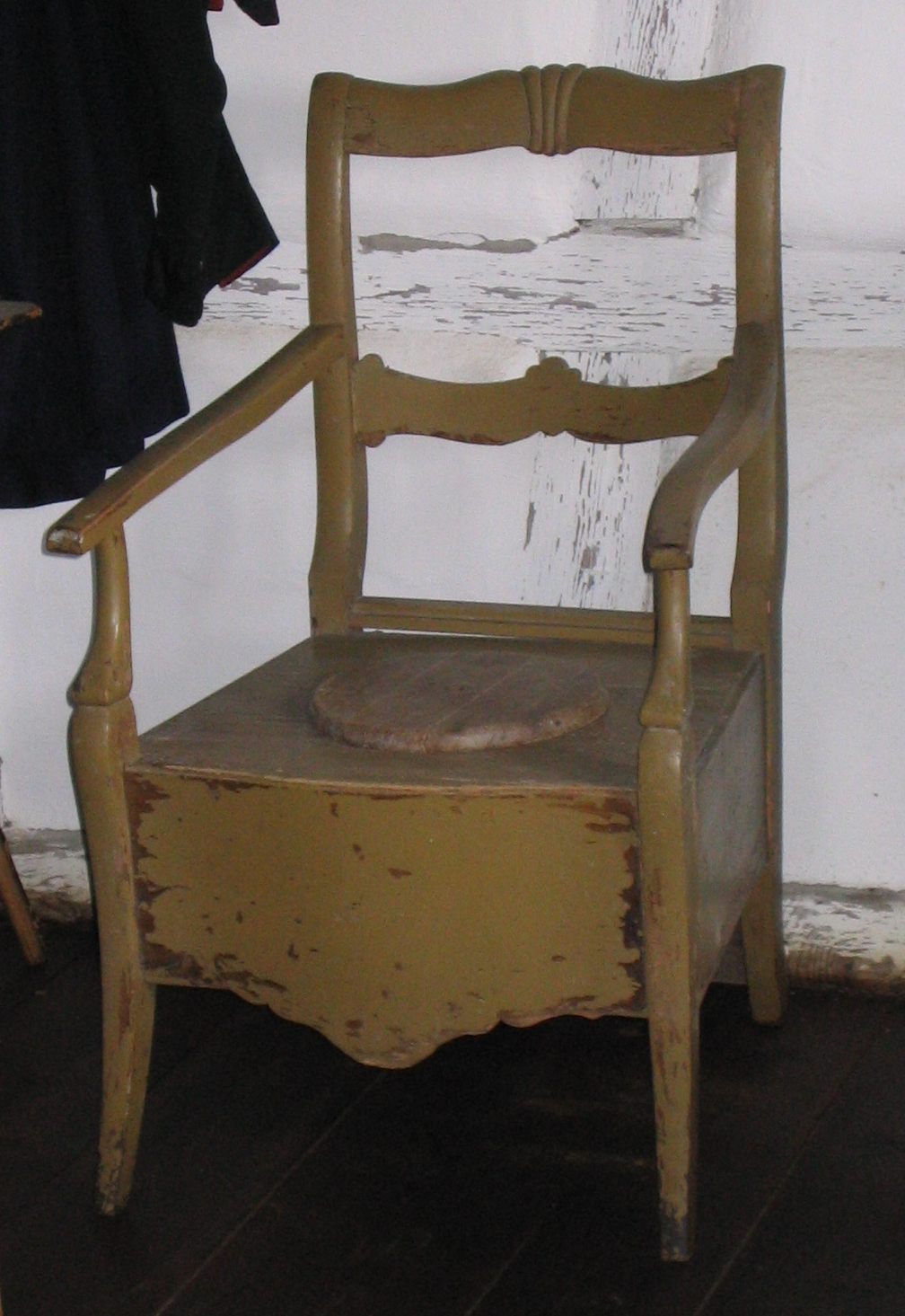 File:Toilet Chair