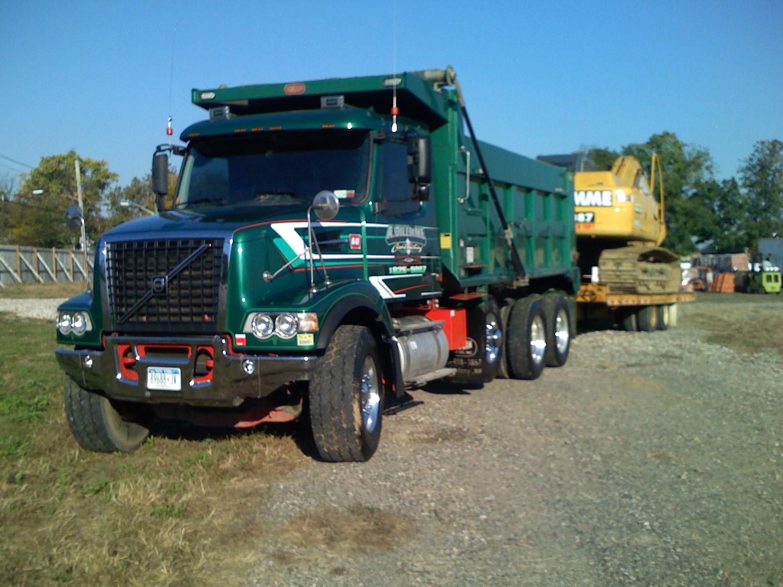 Description Volvo VHD84b Tri-axle Dump Truck.jpg