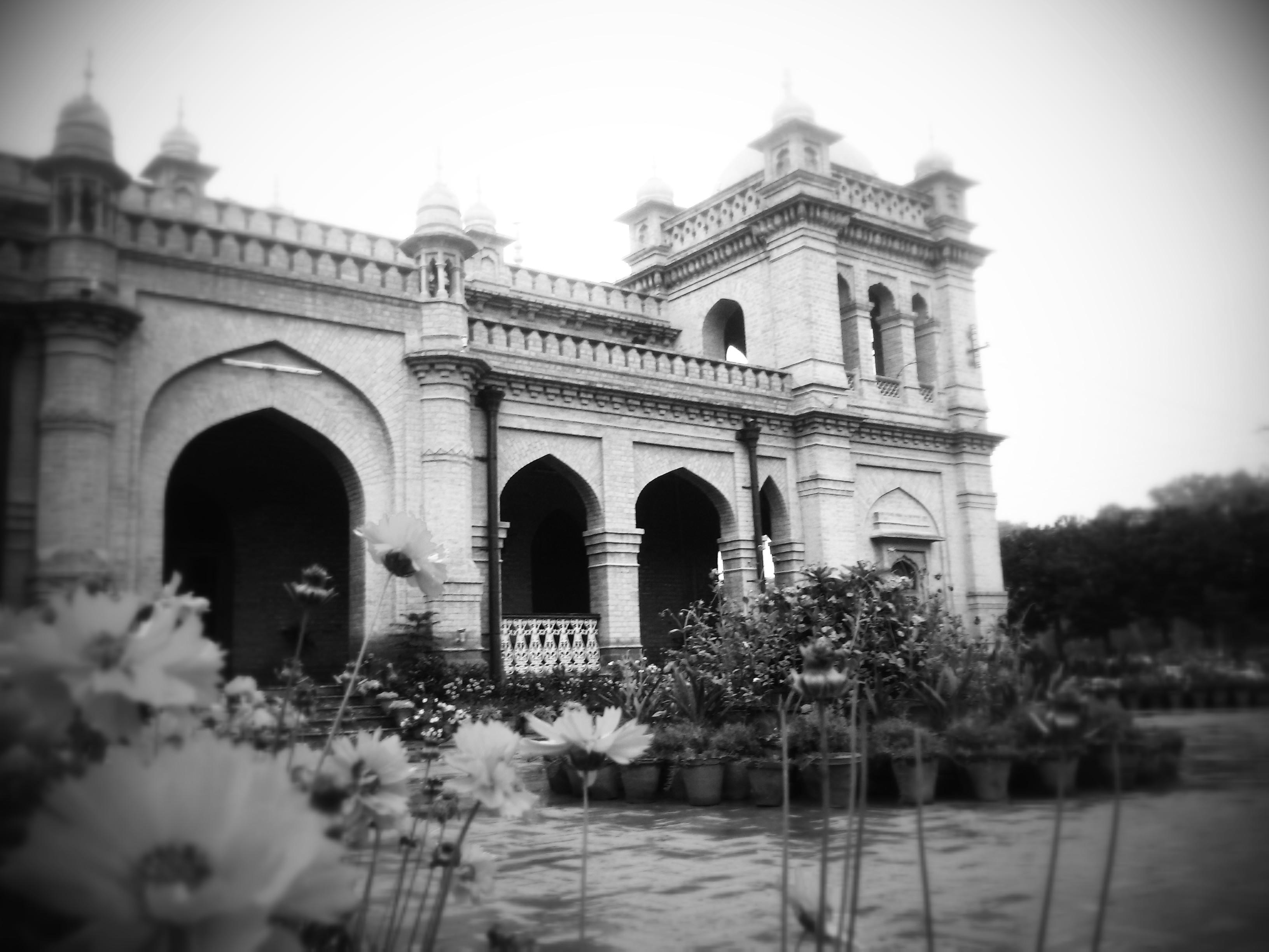 Fileyears old main building islamia college peshawar pakistan jpg