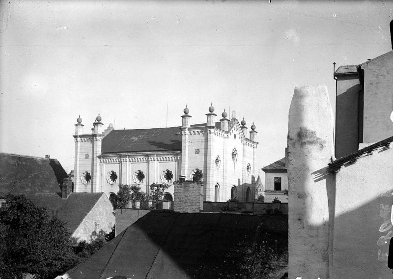 Notre Dame de Amiens %C3%96NB_10029032%2C_Synagoge_Iglau
