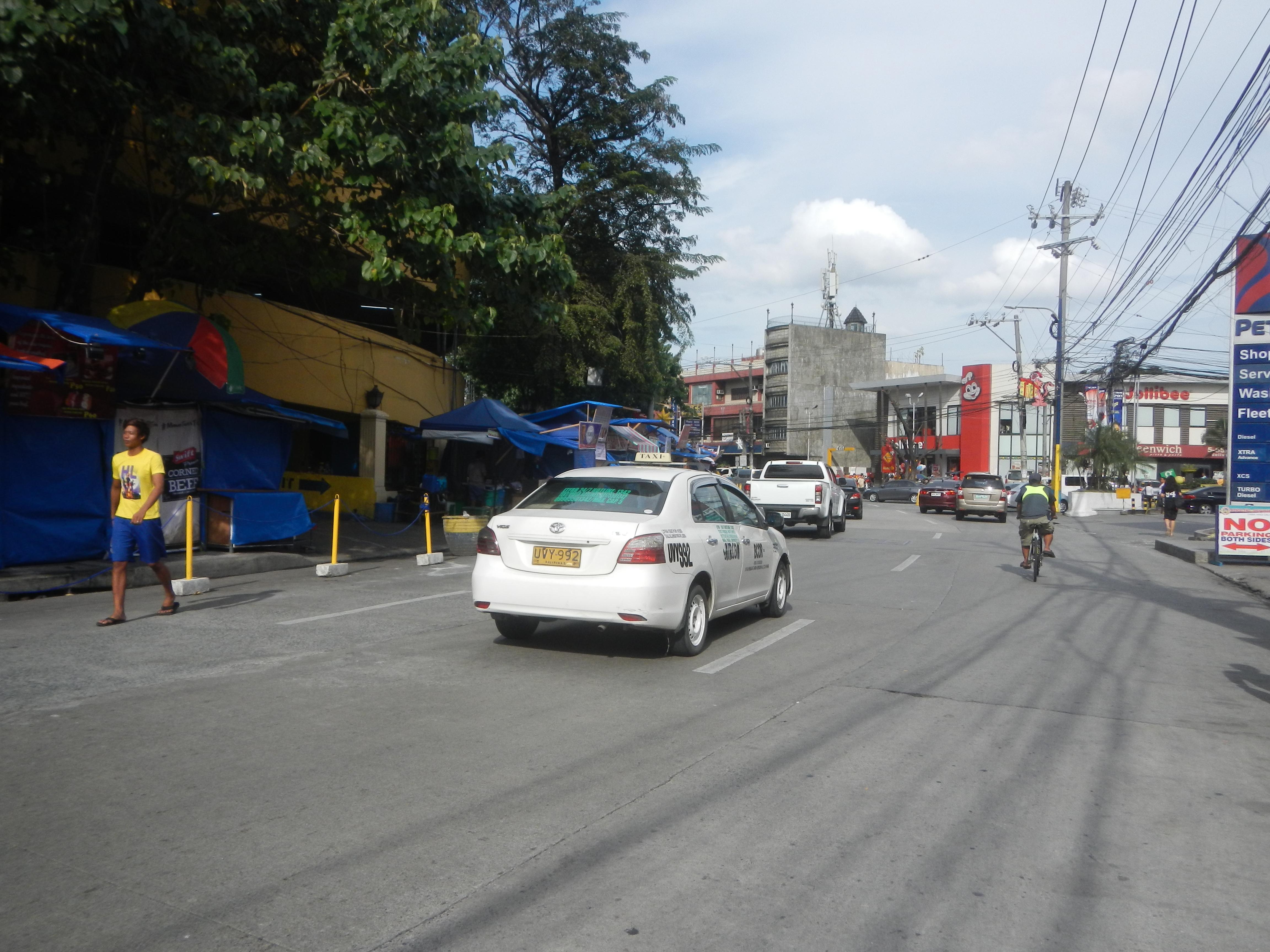 File:0296jfBarangays Maysilo Circle Monuments Plainview Shrine