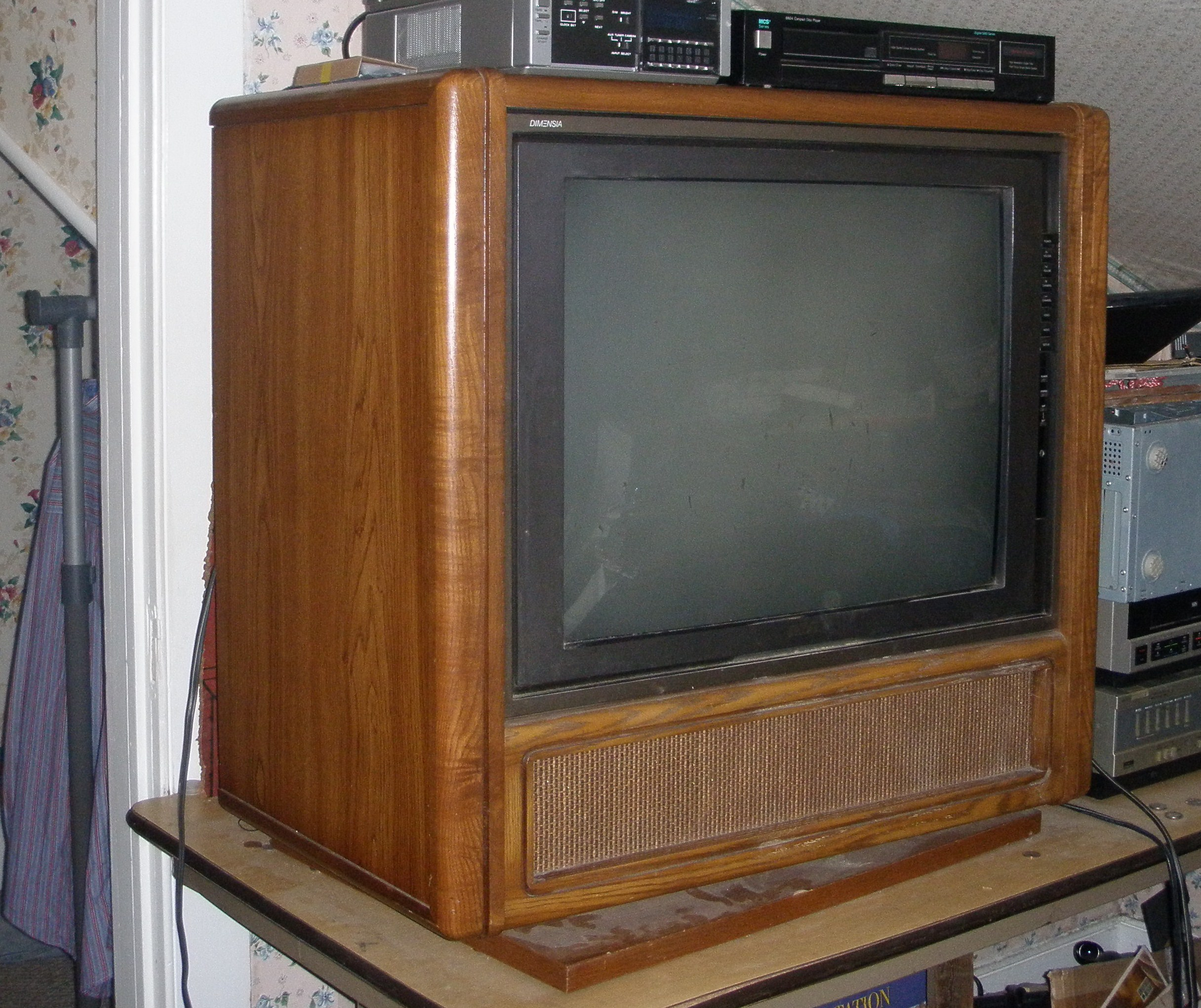 cd464fc8f File:1987 RCA Dimenisa console TV set.JPG - Wikimedia Commons