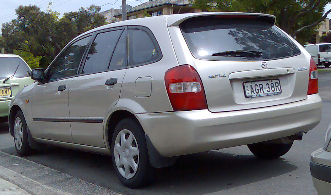 Mazda 323 astina 2001