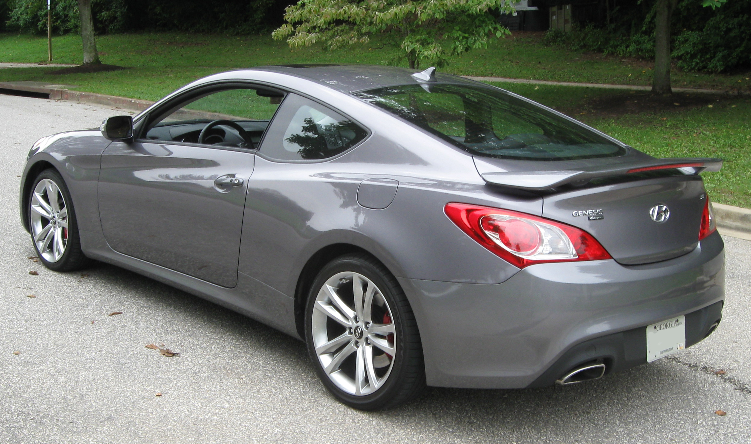 image gallery hyundai genesis coupe 2010. Black Bedroom Furniture Sets. Home Design Ideas