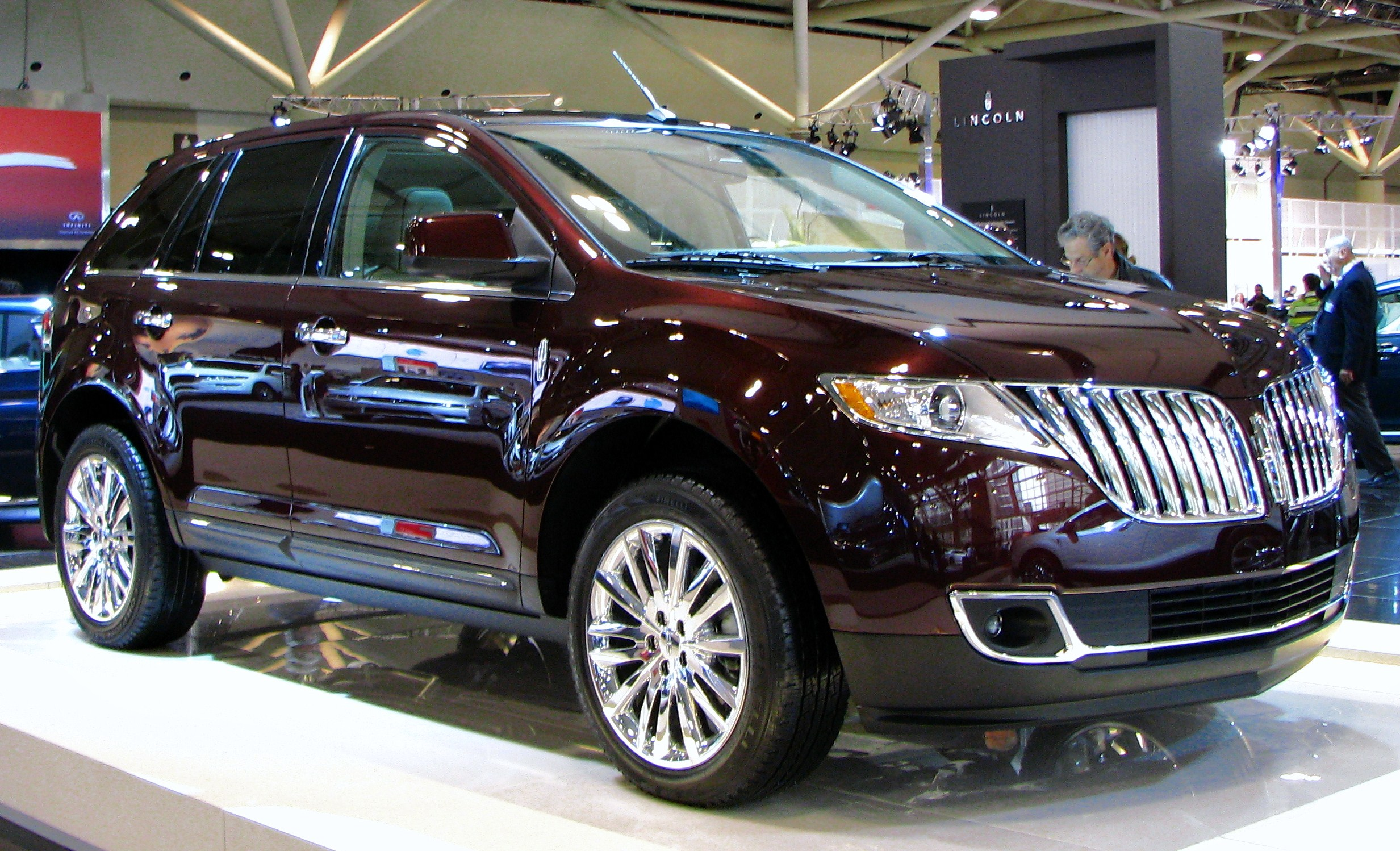 Lincoln Mkx 2011 >> File:2011 Lincoln MKX.jpg - Wikimedia Commons