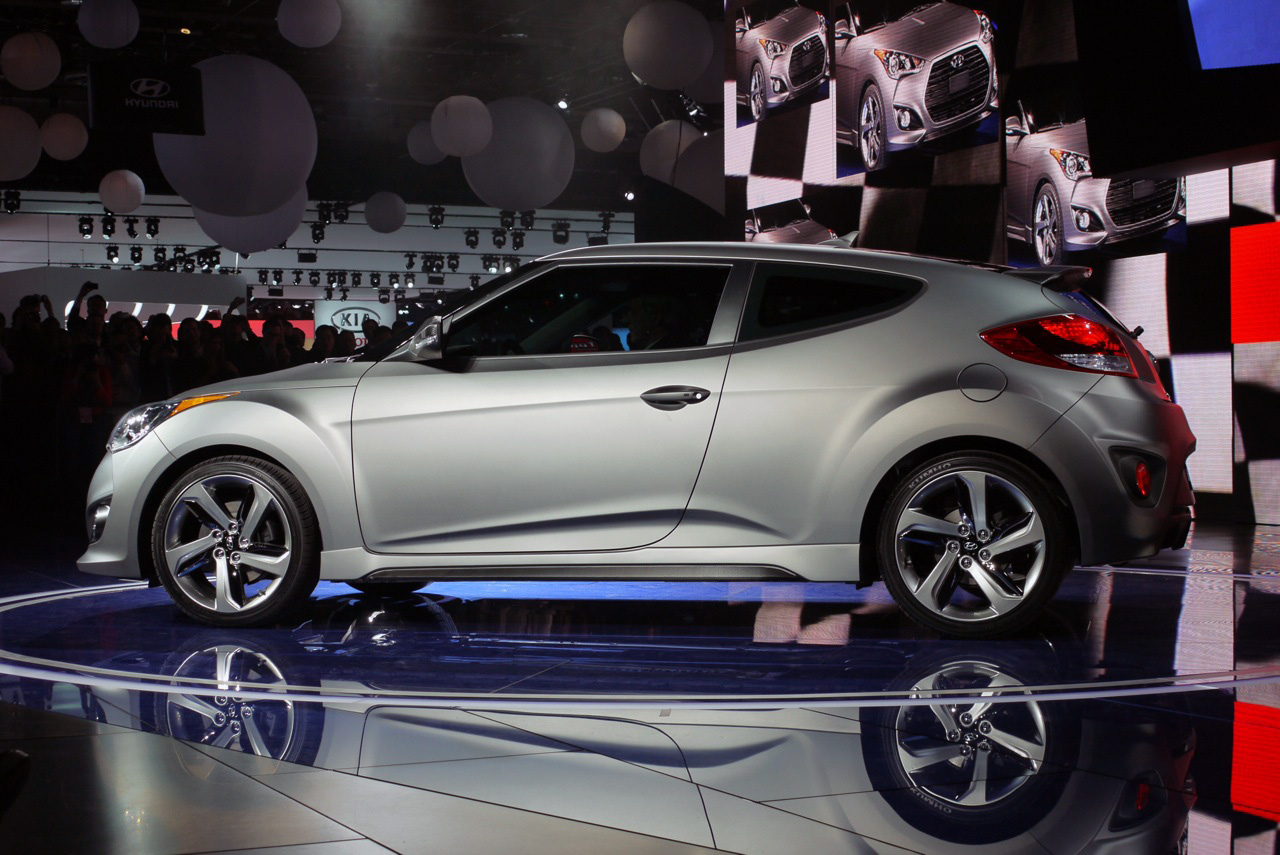 File:2013 Hyundai Veloster Turbo 06 1326142950   Flickr