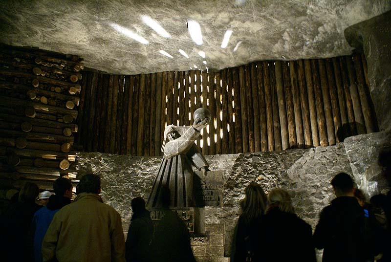 Sculpture dans le sel de la mine de Wieliczka - Photo de Barbara Maliszewska.
