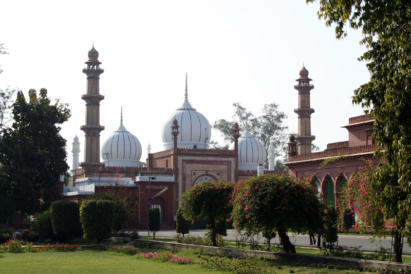 Masjid inside the Aligarh University Campus. Courtesy: Wikipedia