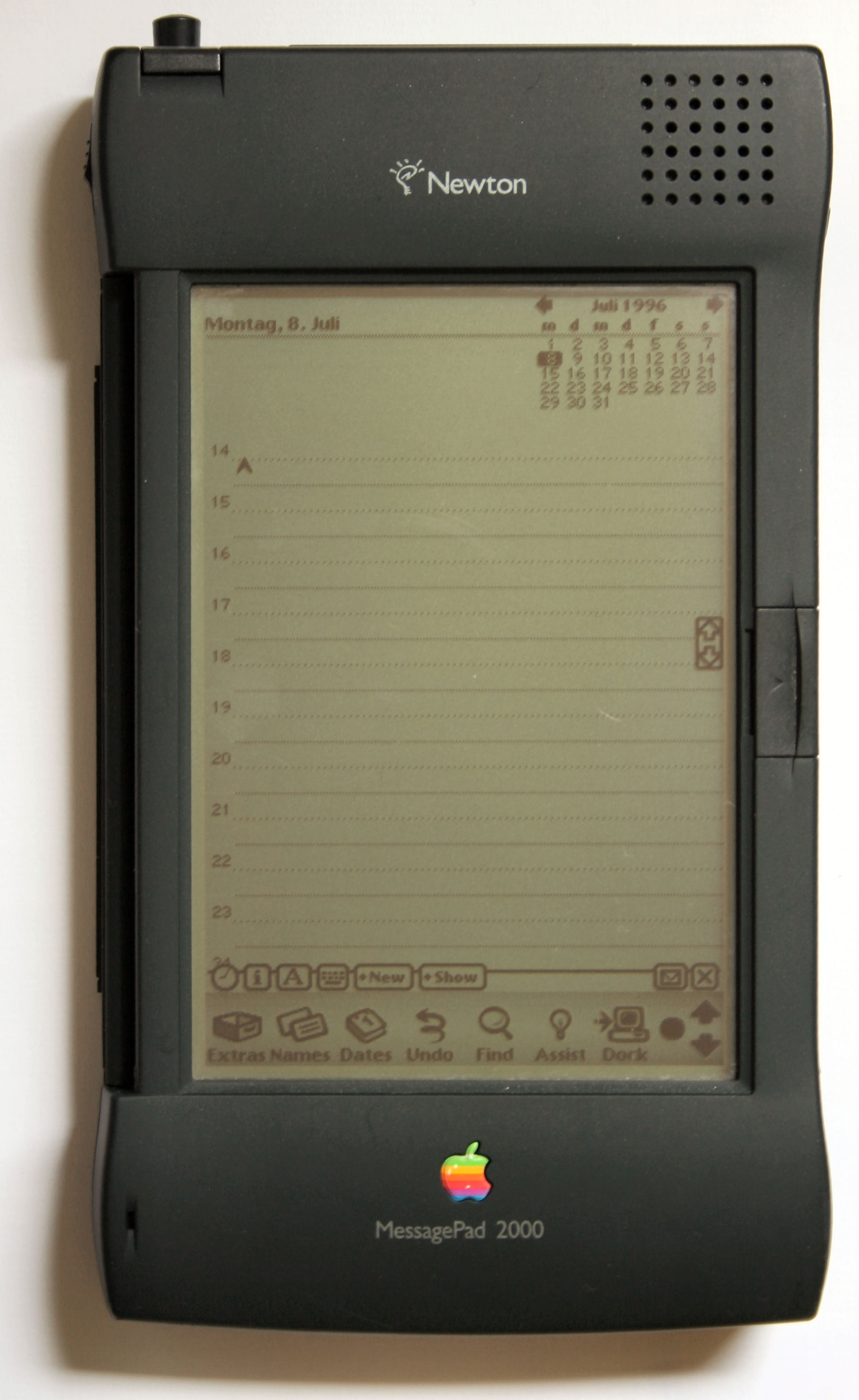 an analysis of apple and gateway 2000 In the mid- to late 2000s, nokia flourished as the world's dominant mobile phone  – and  of 2013, apple had captured almost 40 percent of the us smartphone   form that would provide books, music, movies, news, financial analysis  itif copy   three times greater than then-competitor gateway was generating per store.