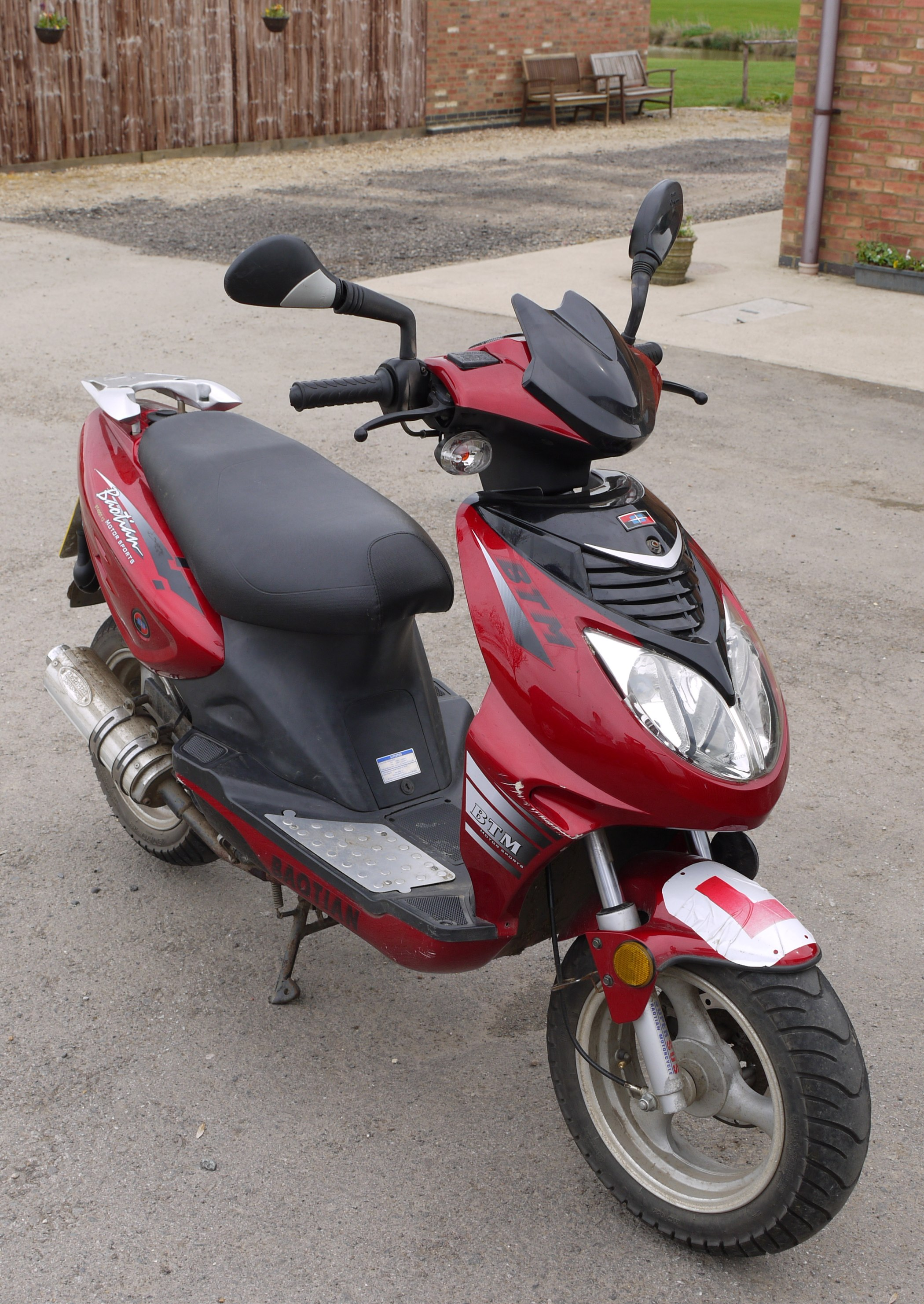 moped scooters bing images. Black Bedroom Furniture Sets. Home Design Ideas
