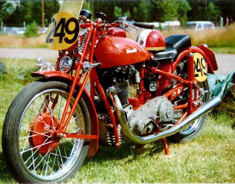 ベネリ バイク