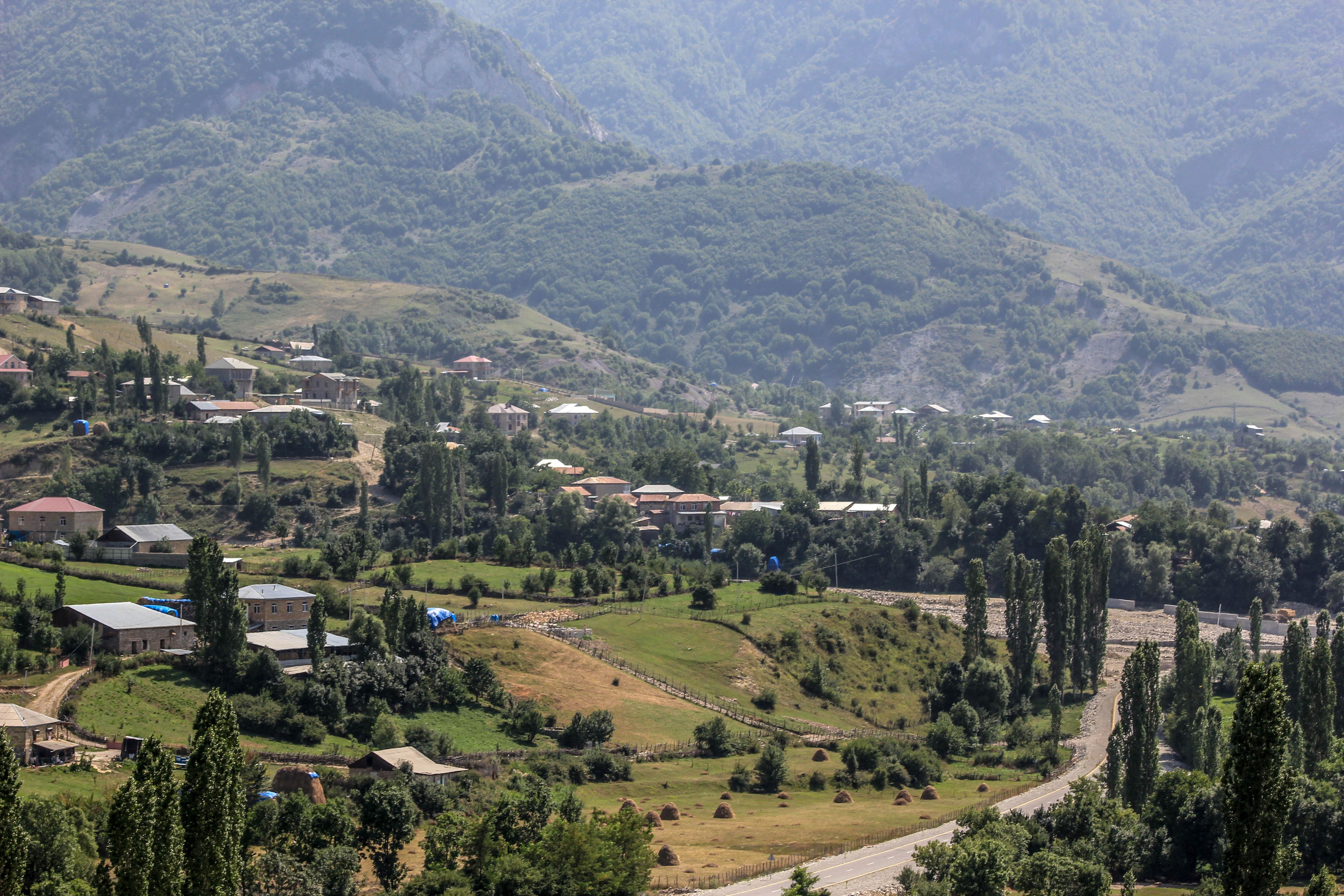 File Between Lahic And Demirchi In Azerbaijan Jpg Wikimedia Commons