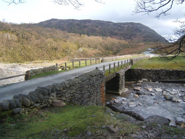 Bridge over Yewdale Beck, Tilberthwaite - geograph.org.uk - 785257