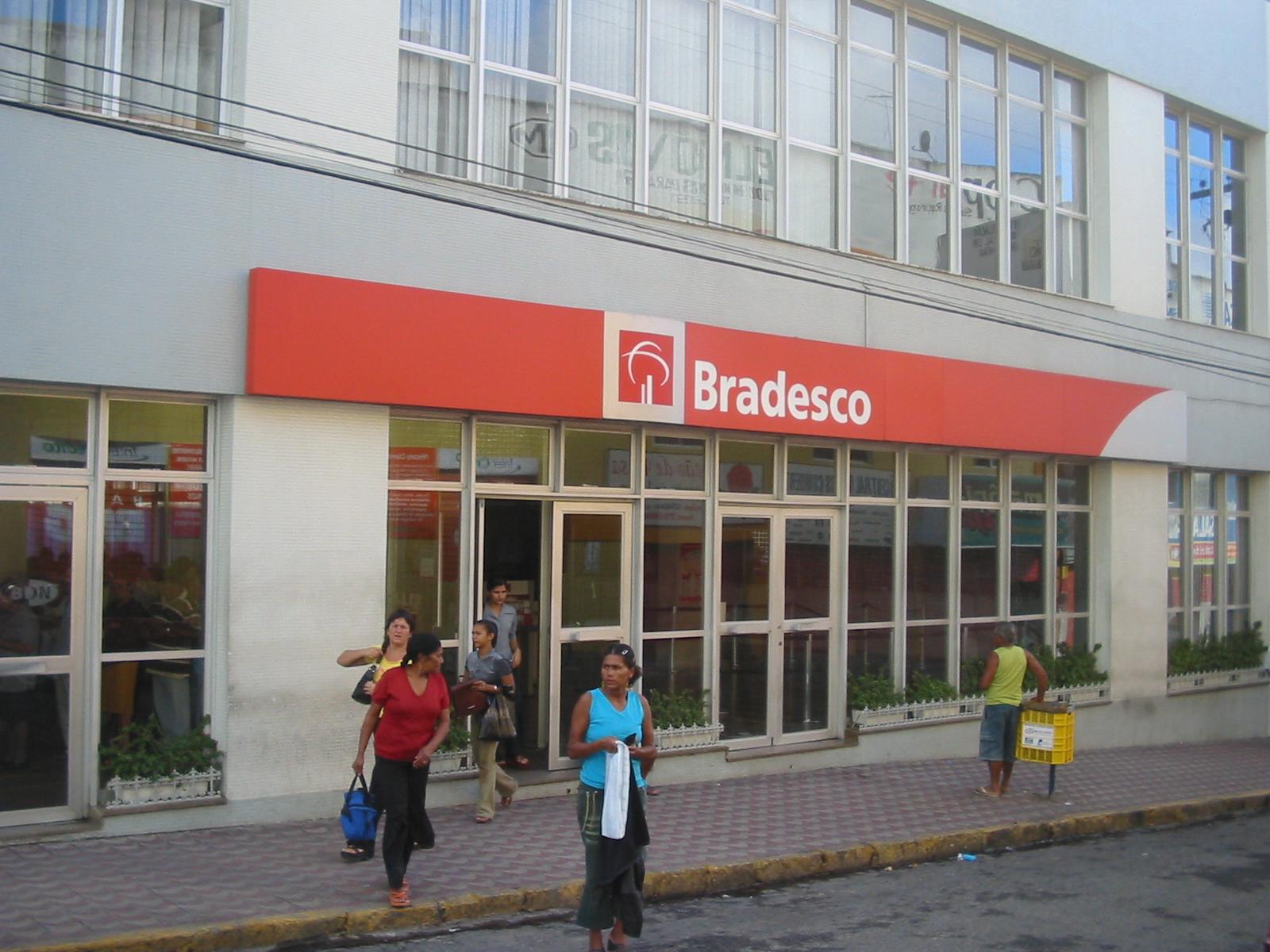 File:Caruaru-Bradesco....