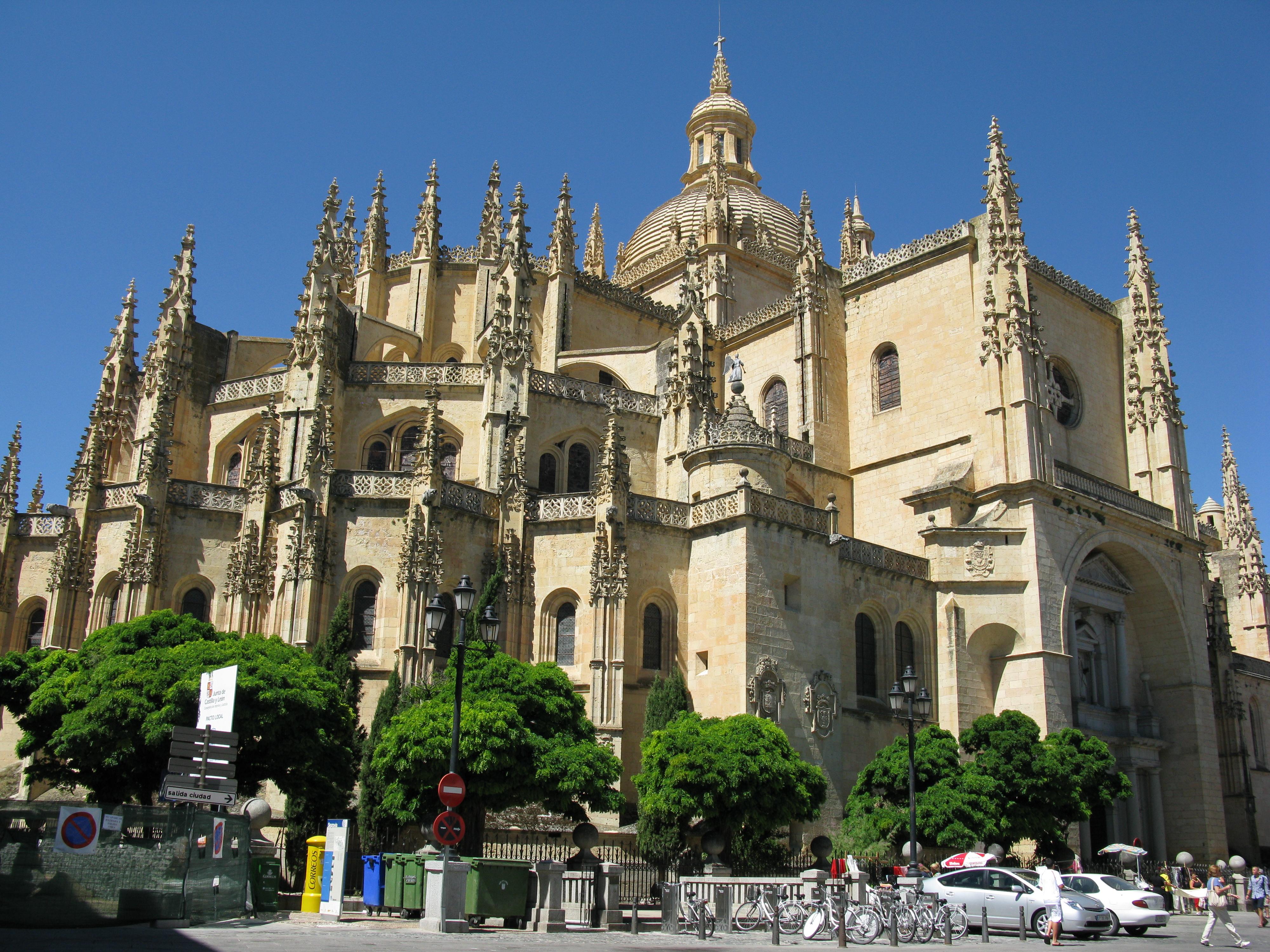 File:Catedral Segovia 2010.jpg - Wikimedia Commons