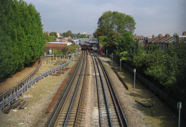 Central Line railway in South Woodford - geograph.org.uk - 555981