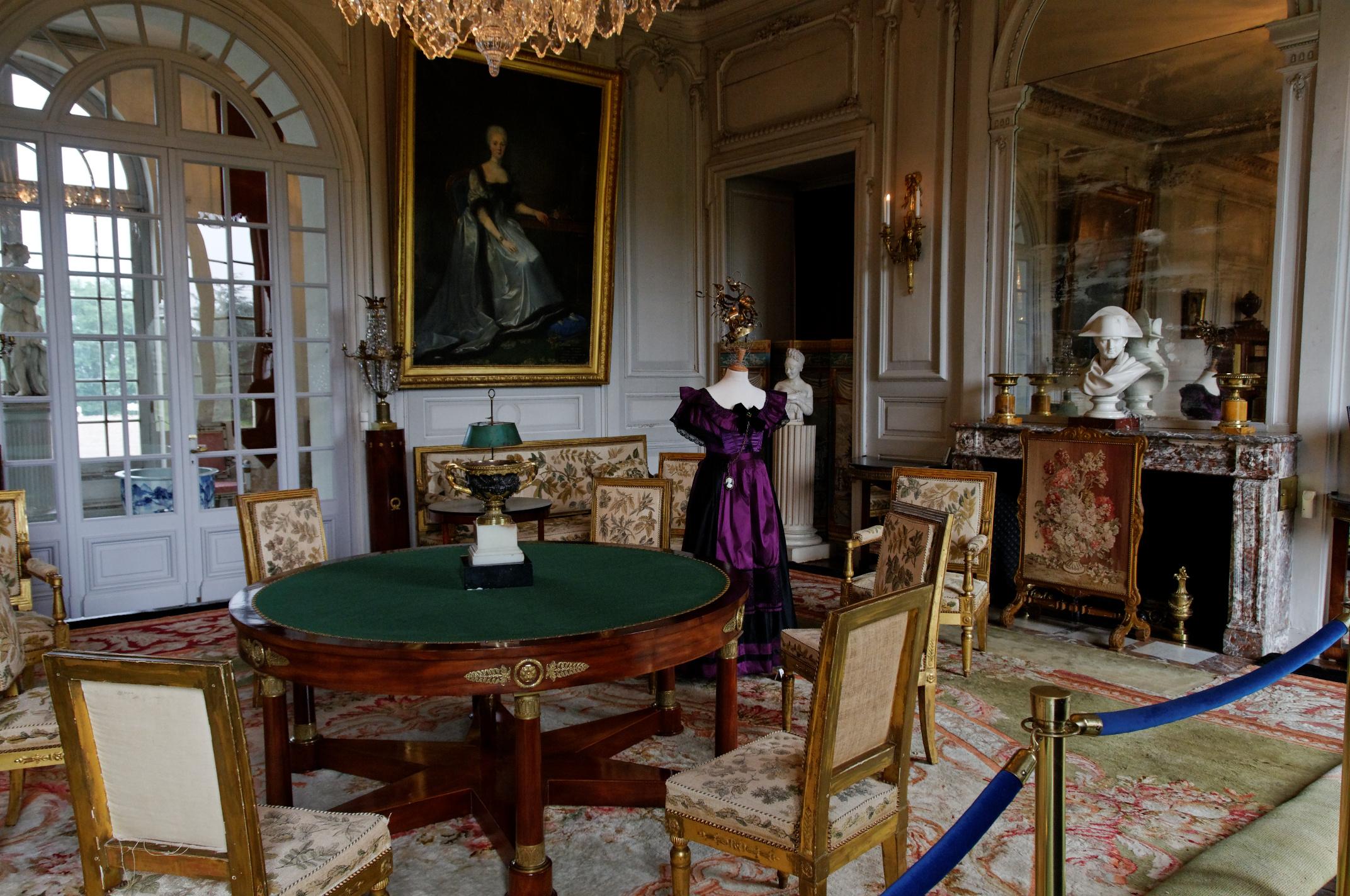 Valen ay ch teaux de la loire - Chateau de menetou salon visites ...