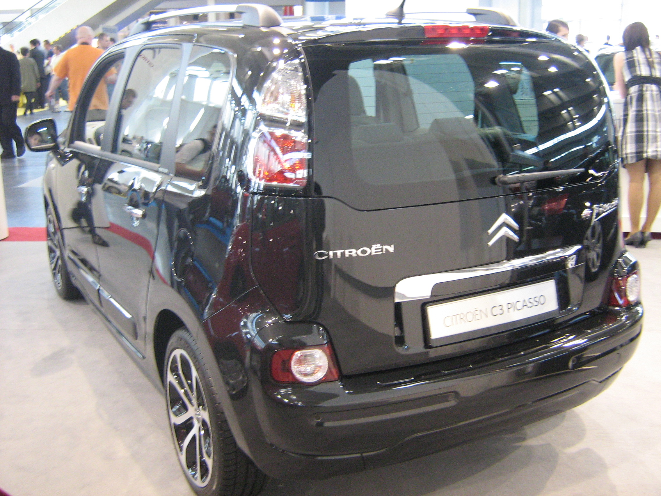 file citroen c3 picasso rear psm wikimedia commons. Black Bedroom Furniture Sets. Home Design Ideas