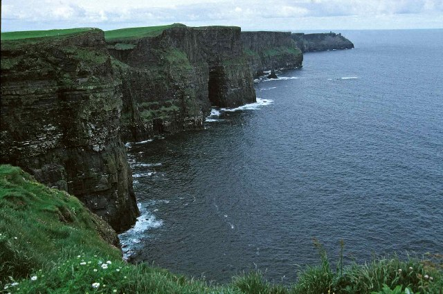 English: Cliffs of Moher, County Clare.
