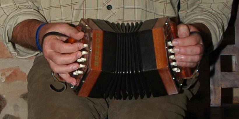Unikalne Harmonia (instrument) – Wikipedia, wolna encyklopedia AS77