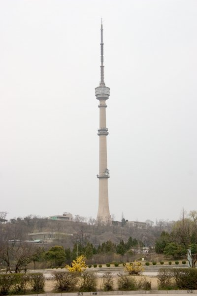Datei:Dprk pyongyang tv tower 05.jpg