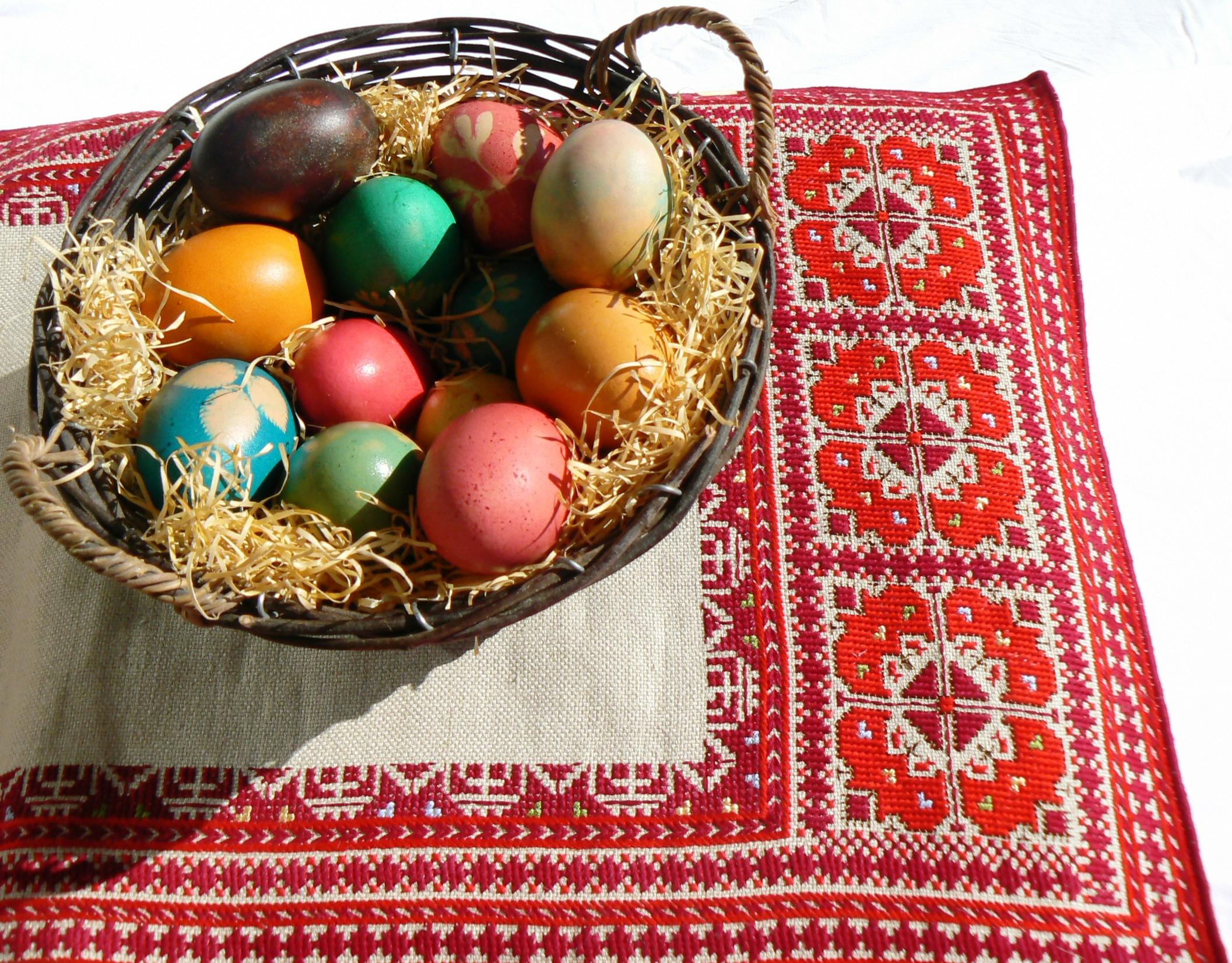 Vezët e Pashkëve, simbol i festës së ringjalljes.