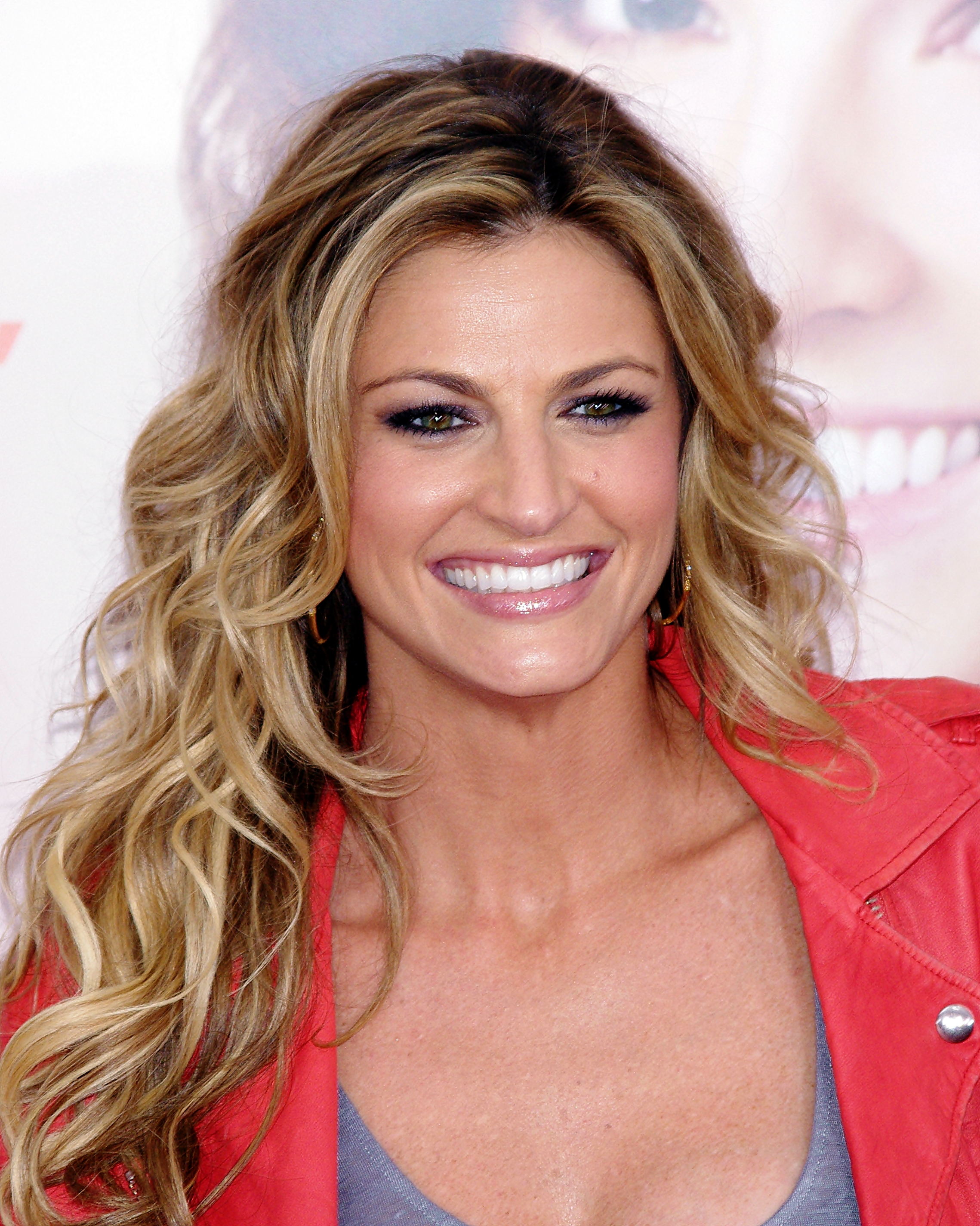 Erin Andrews earned a  million dollar salary, leaving the net worth at 3 million in 2017