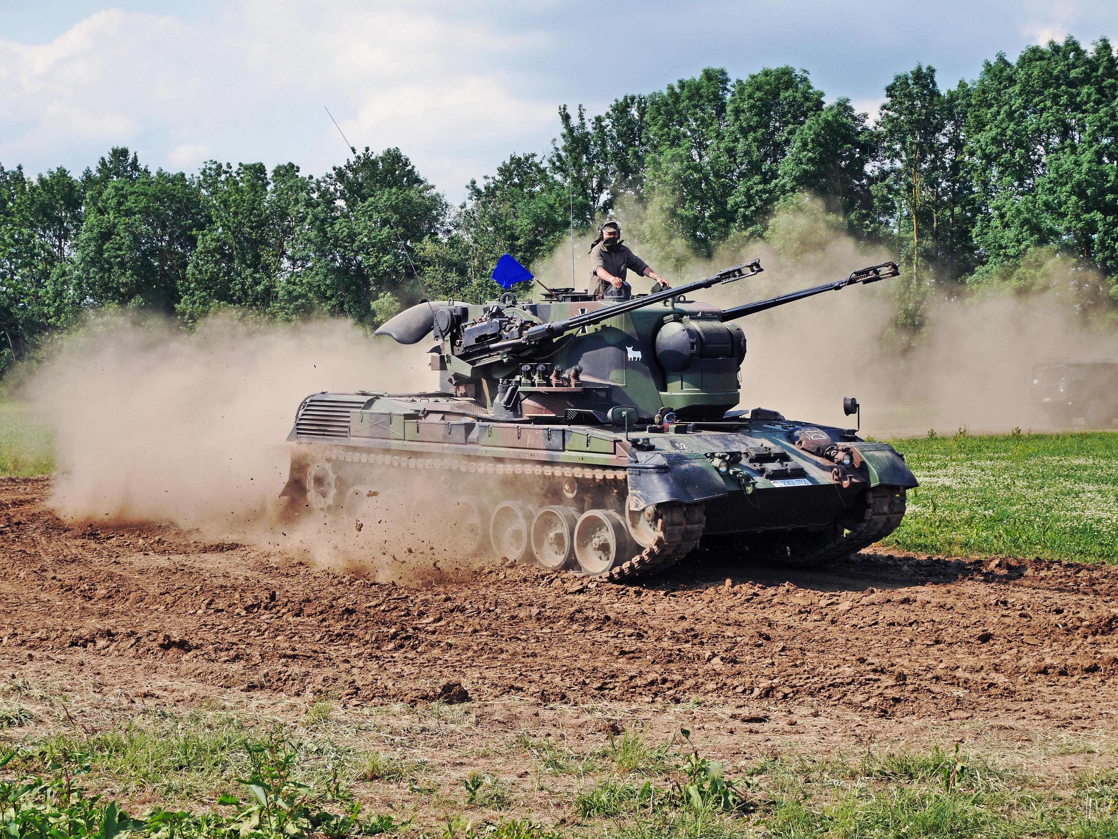 Laser Entfernungsmesser Bundeswehr : Flugabwehrkanonenpanzer gepard u2013 wikipedia