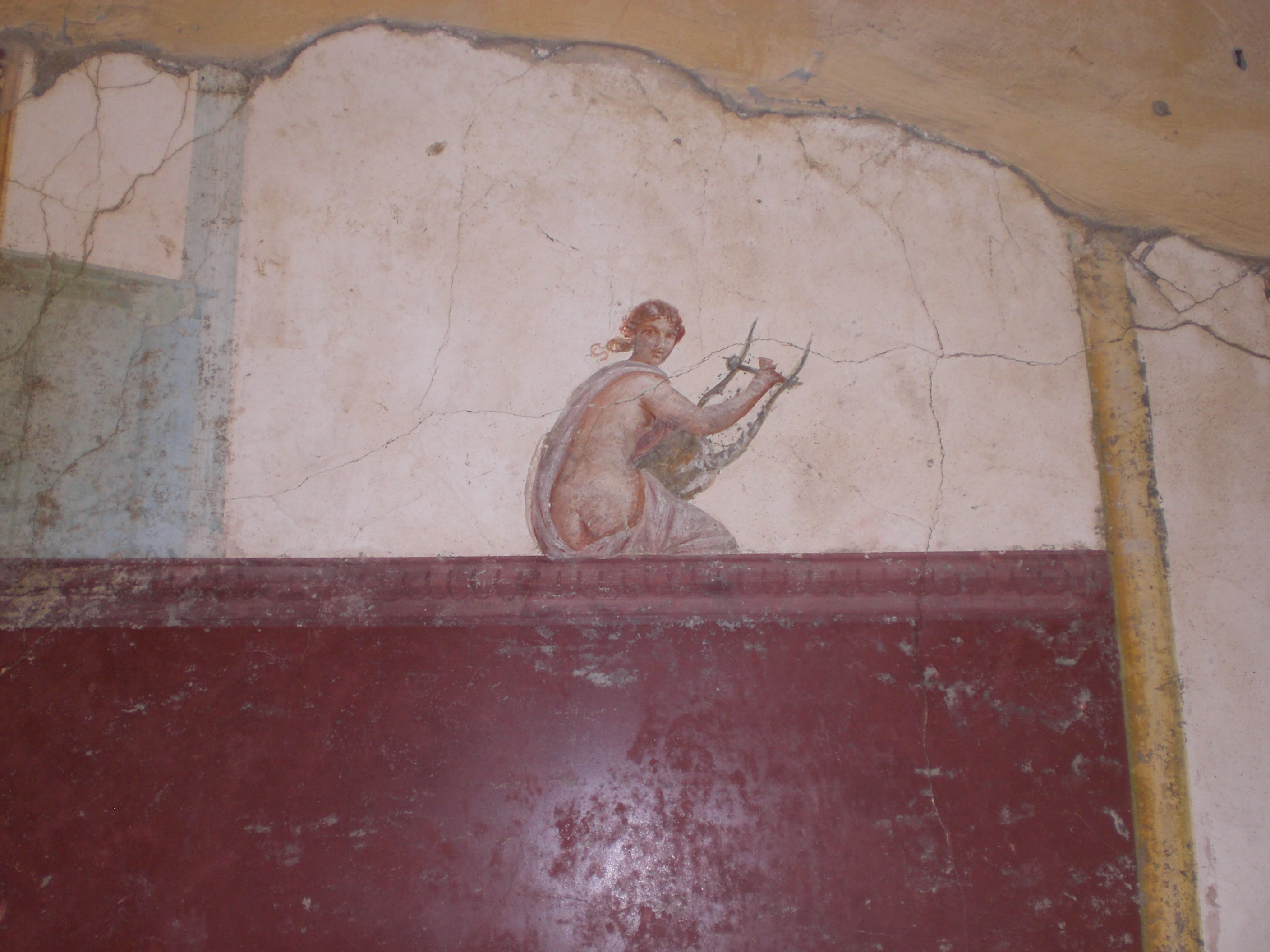 File:Fresco of woman with lyre Villa San Marco in Stabiae.jpg ...