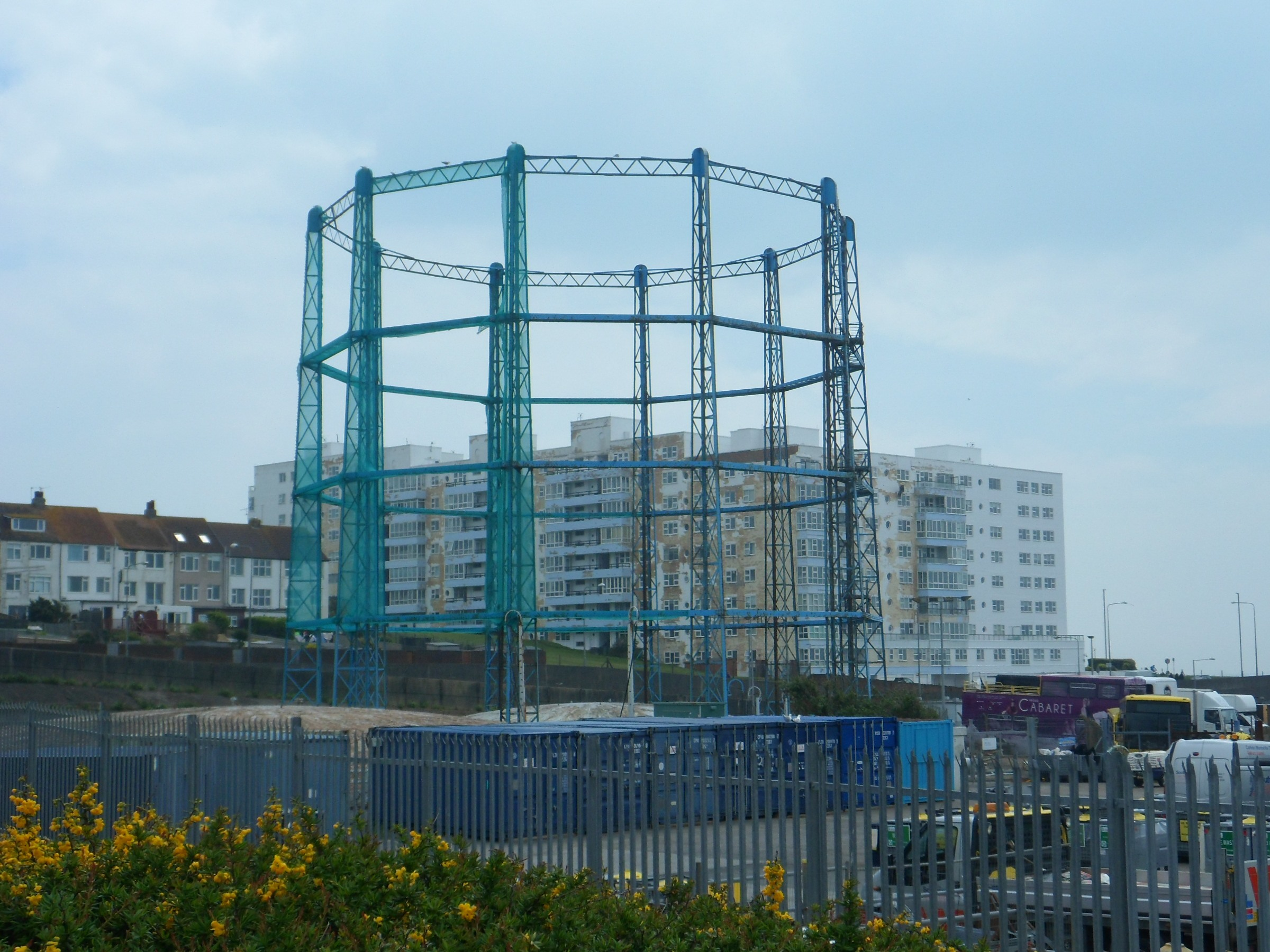 File:Gasholder at former Black Rock Gasworks, Boundary Road, Brighton (May 2013) (2).JPG