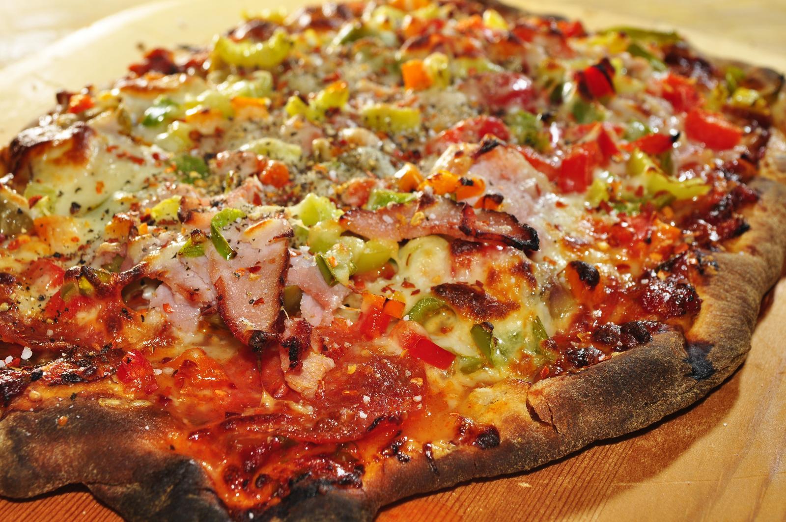 File:Homemade pizza (4).jpg - Wikimedia Commons