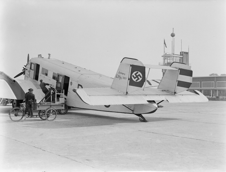 Filejunkers G 31 D 1770 Preussen Van Lufthansa Met Een Hakenkruis