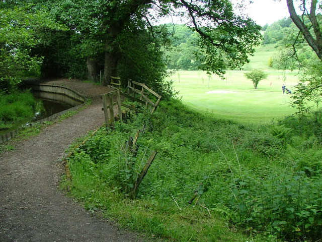 Ladderedge Footpath - geograph.org.uk - 452285
