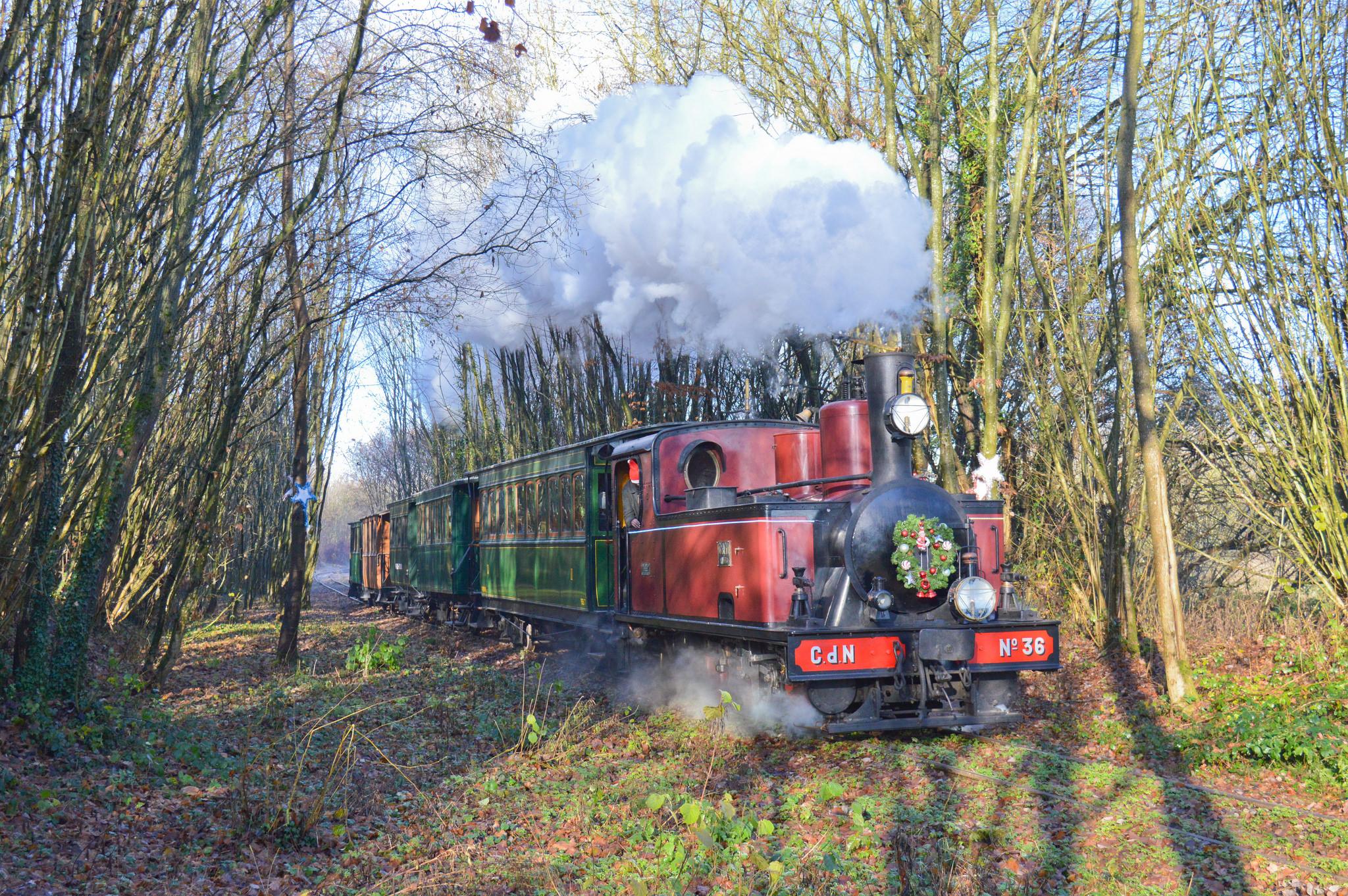 Train Du Pere Noel File:MTVS trains du père noël 2017.   Wikimedia Commons