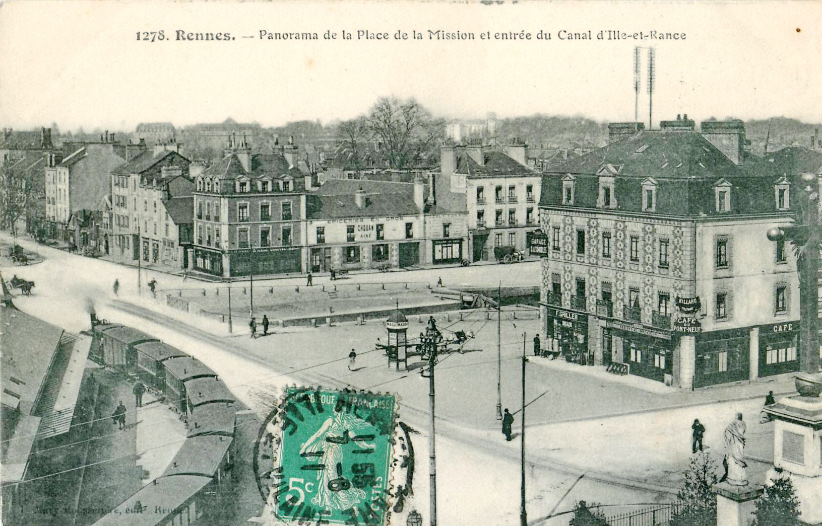 File:Mary-Rousselière 1278 - RENNES - Panorama de la Place de la Mission