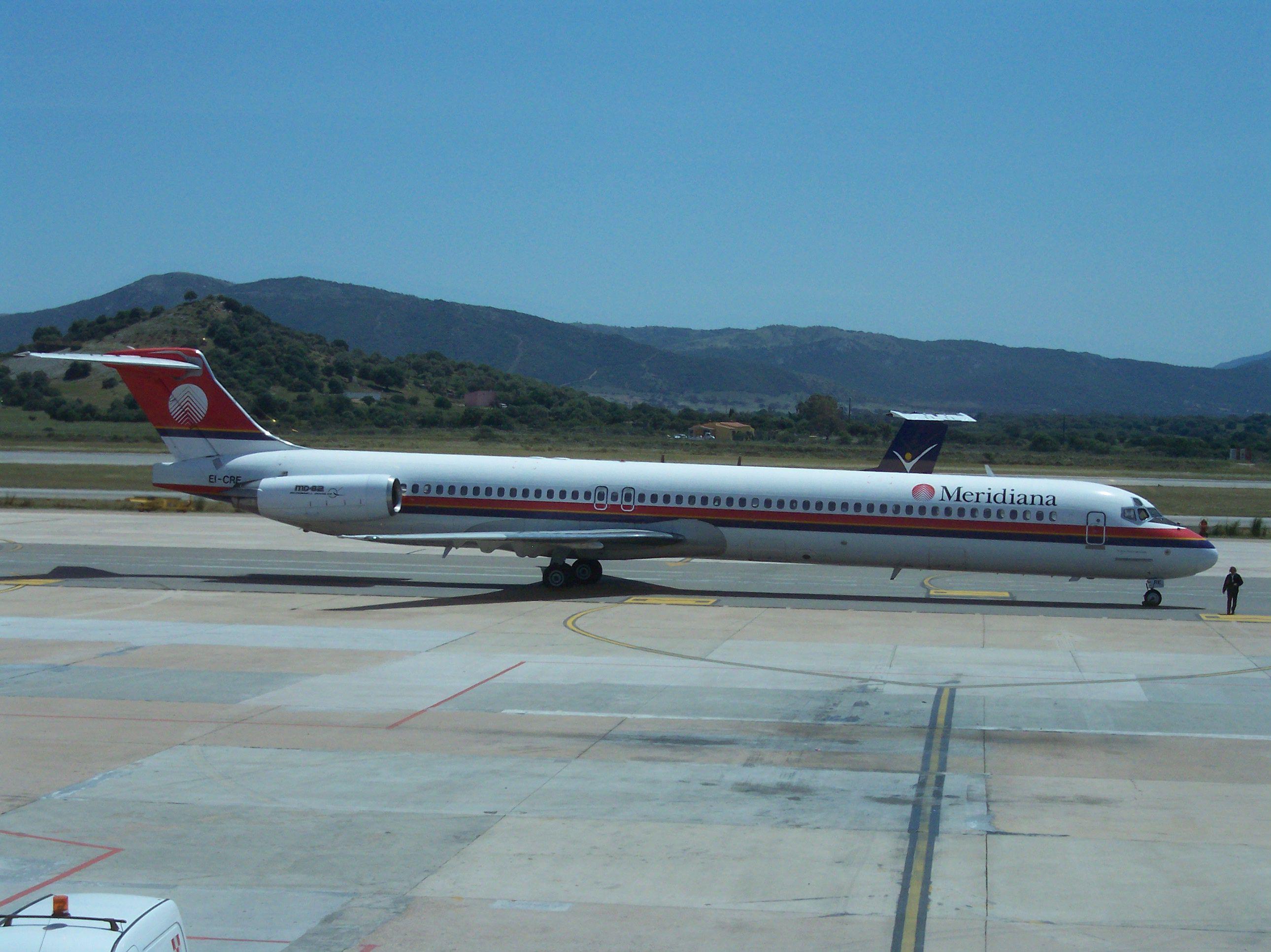 Datei:McDonnell Douglas MD-82 Meridiana ...