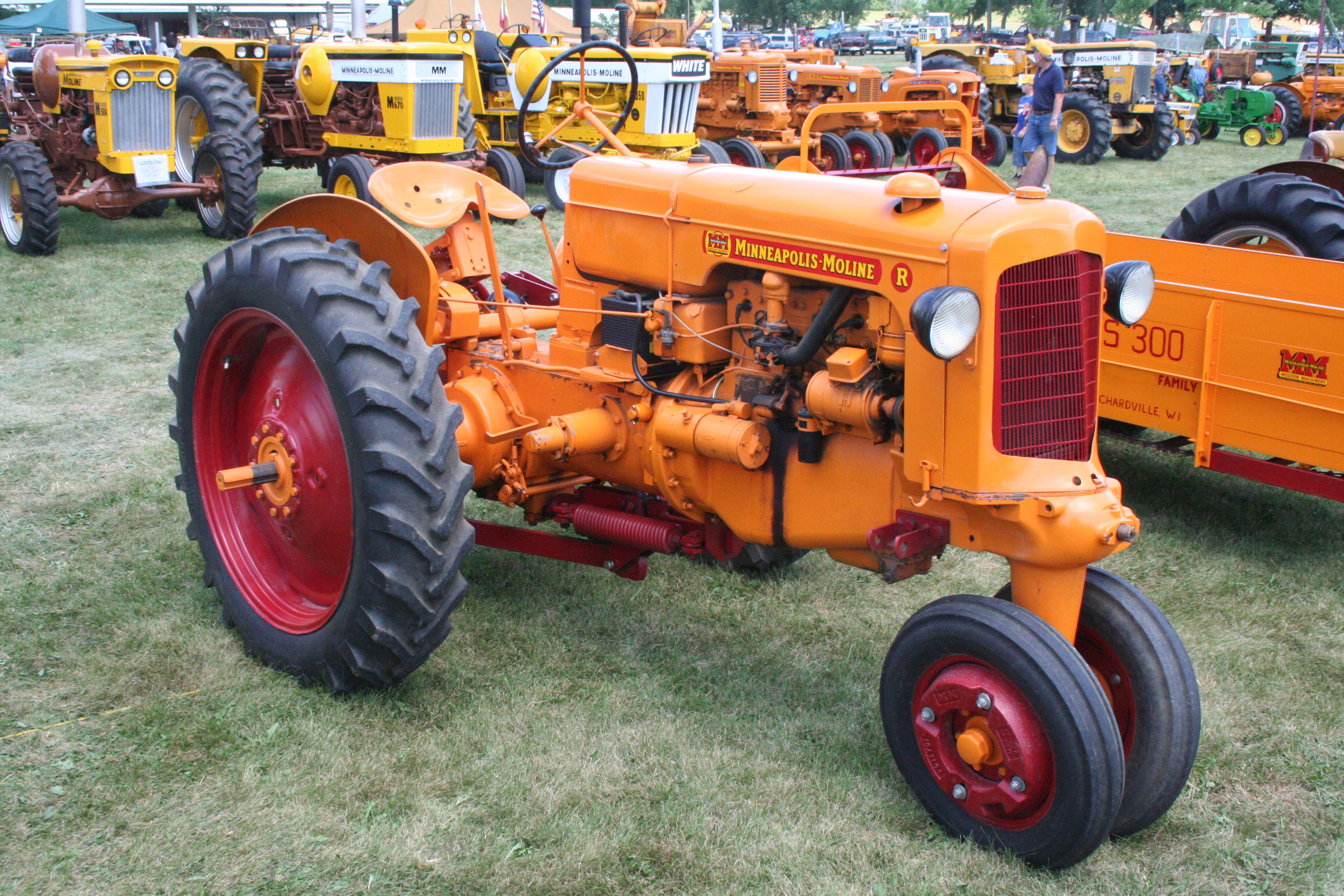 Minneapolis Moline Tractors 2 Dcapc