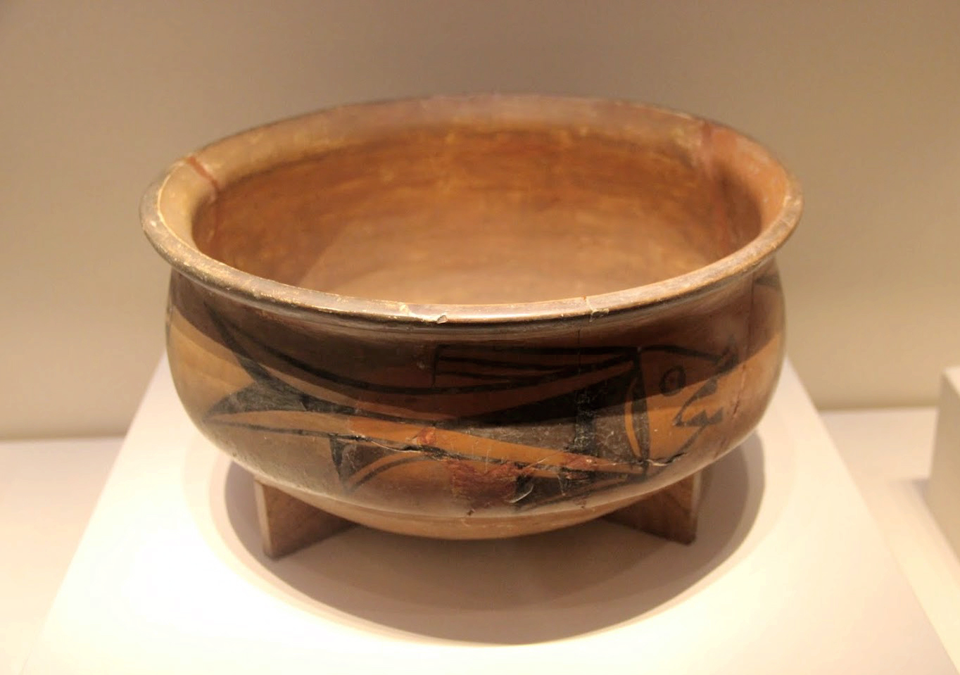 Paleolithic and neolithic period chinese history digest painted earthenwear basin with fish designyangshao cultureexcavated at a banpo site in reviewsmspy
