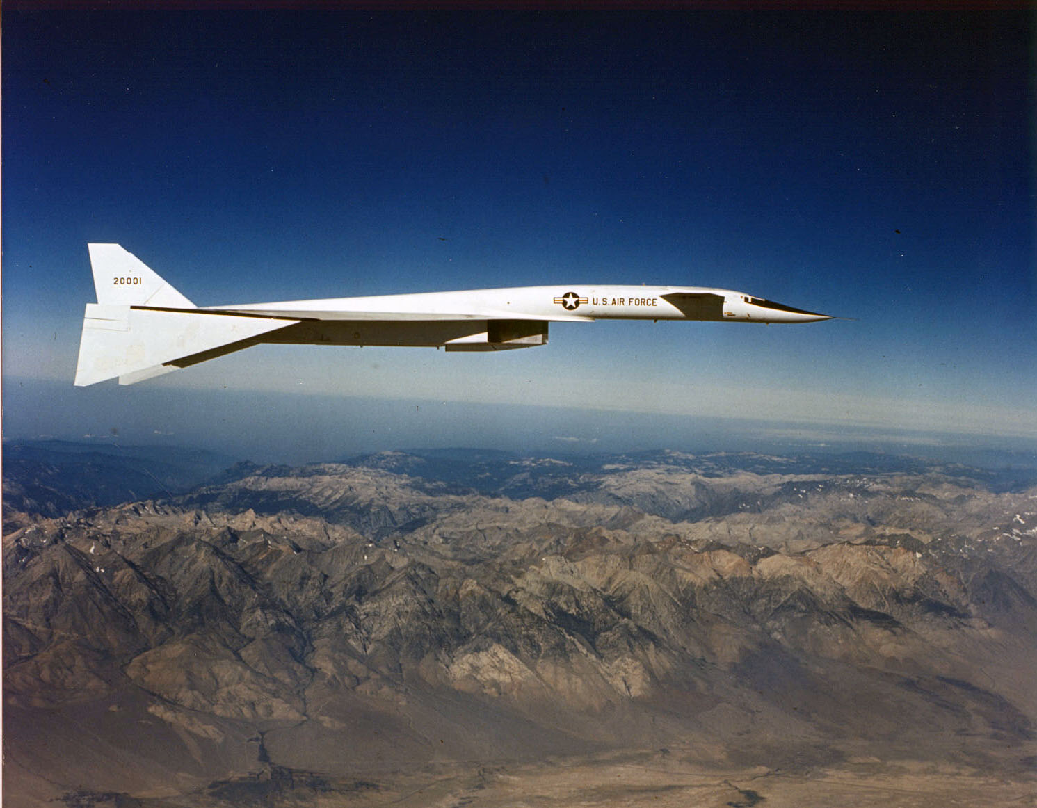 North_American_XB-70A_Valkyrie_in_flight