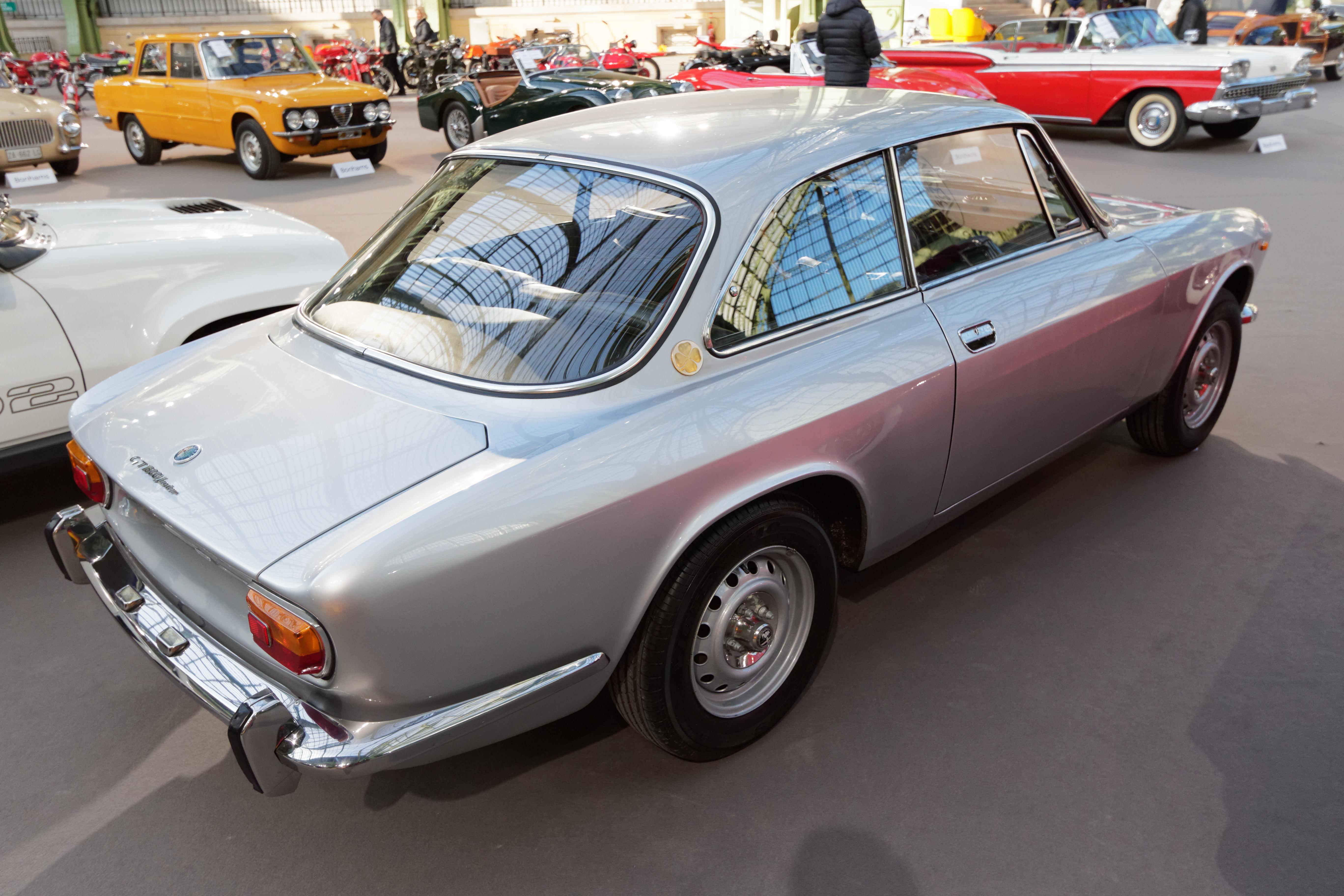 File Paris Bonhams 2015 Alfa Romeo Gt 1600 Junior Coupe 1976
