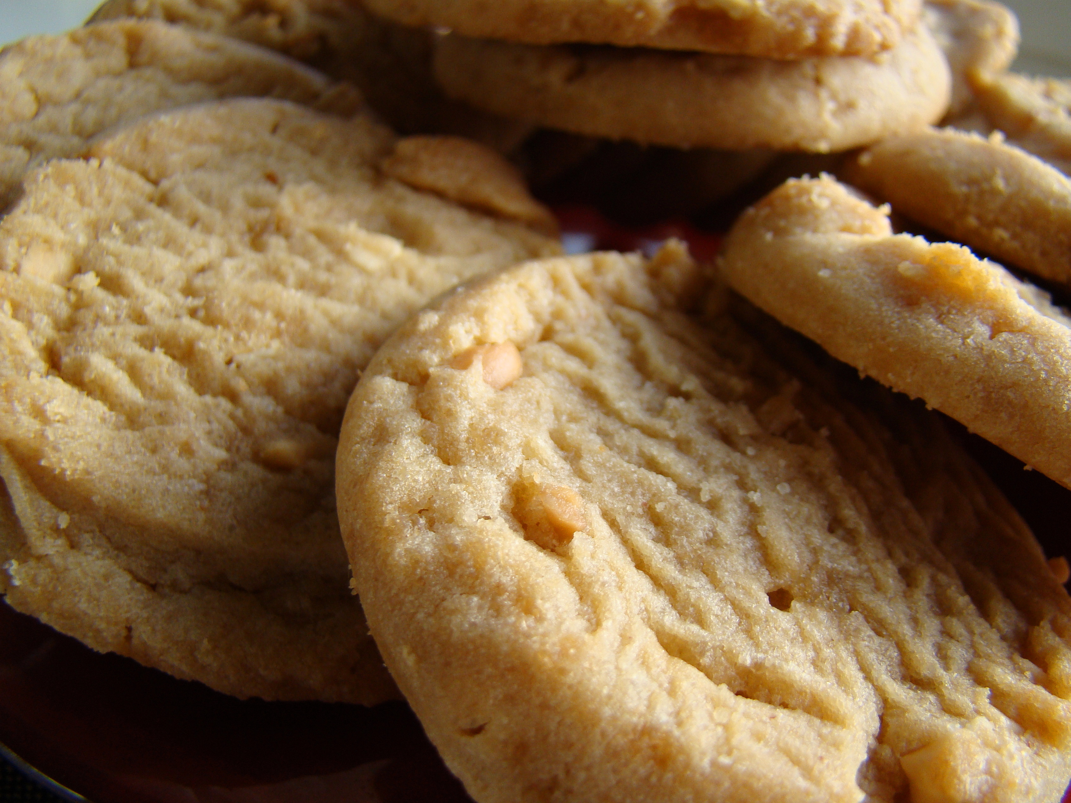 File:Peanut butter cookies, September 2009.jpg - Wikimedia Commons