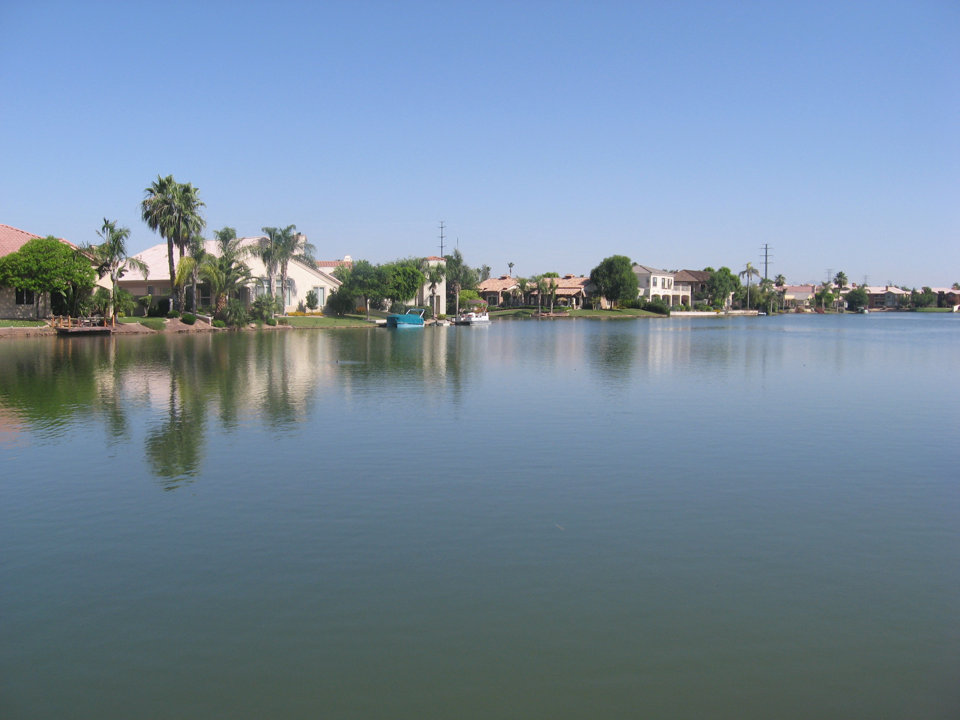 Picture of lake front in Val Vista Lakes in Gilbert, Arizona, USA.jpg