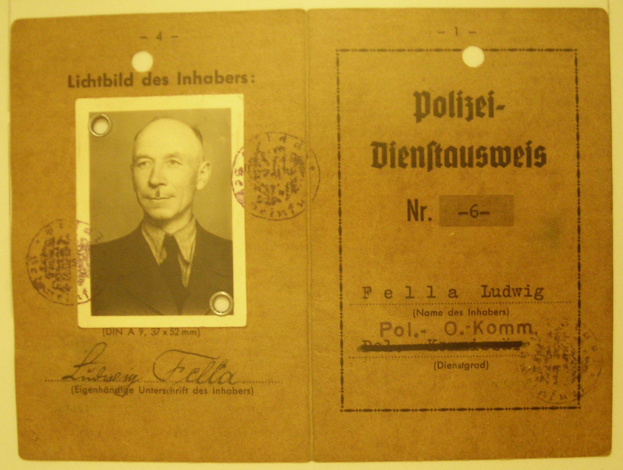 Dienstausweis Polizei